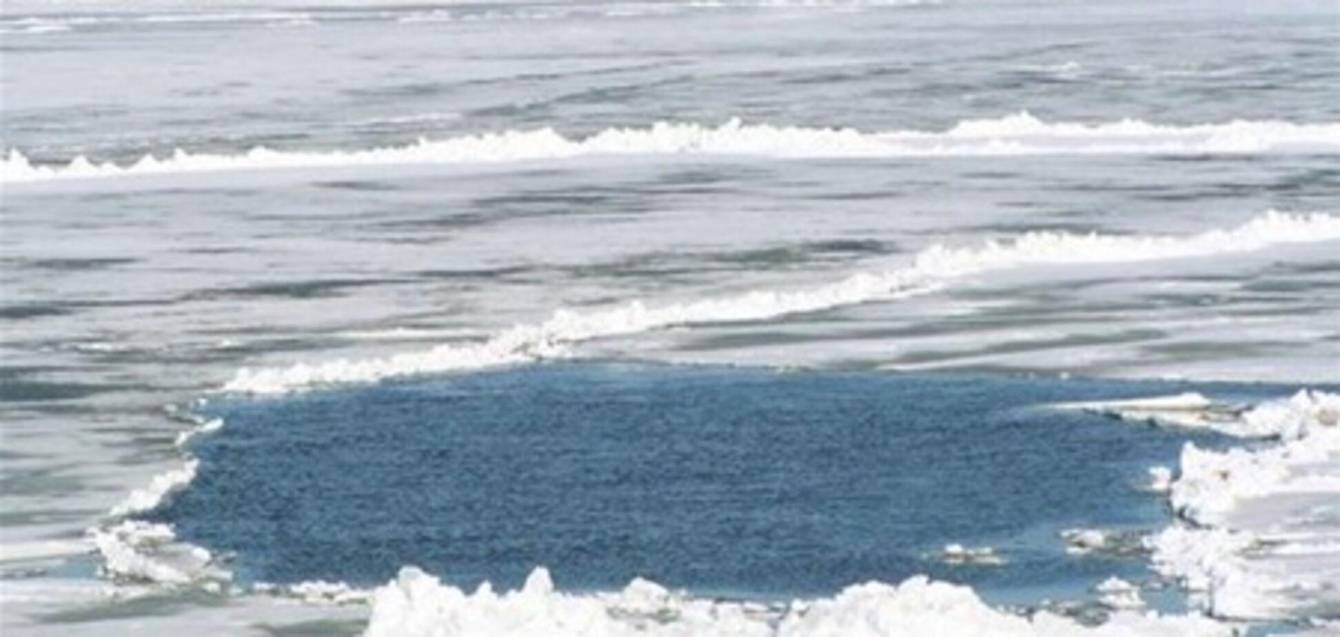 Машина с лидерами 'Батькивщины' ушла под лед