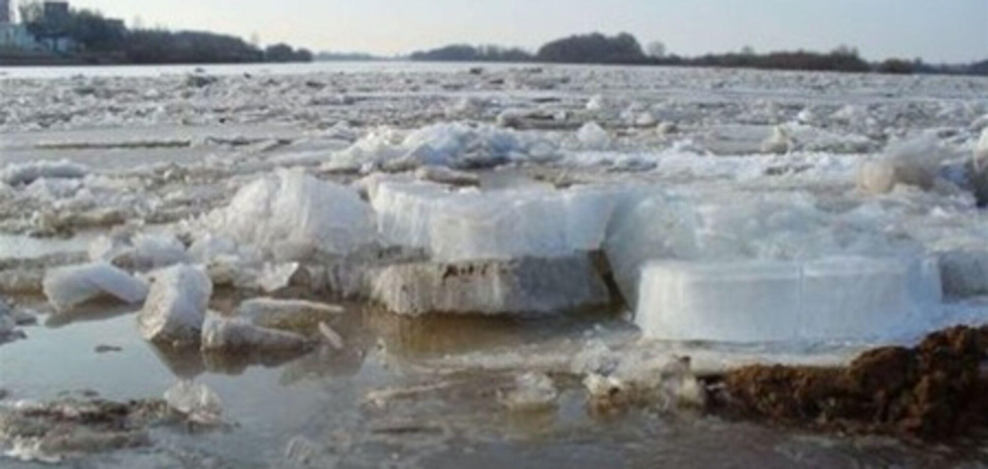 В Черниговской области понтонный мост унесло течением