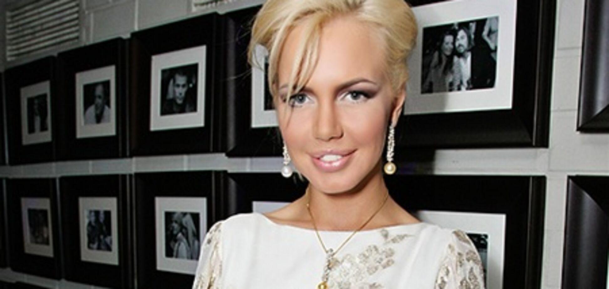 Малиновська показала нові груди