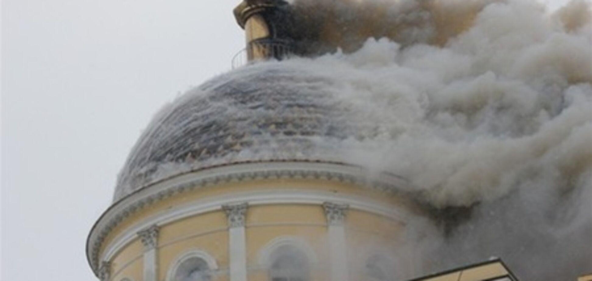 Настоятель горевшего Спасо-Преображенского собора подозревает поджог