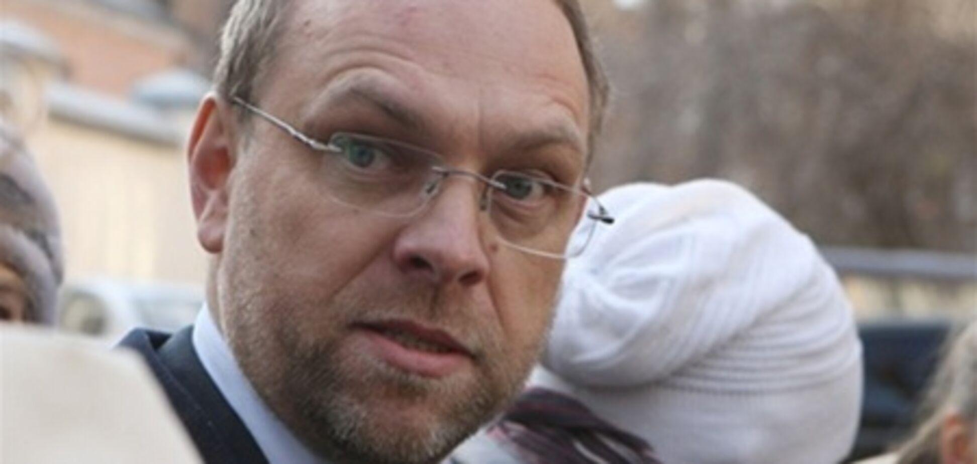 Власенко: у Тимошенко з'явилися гематоми від знеболювального