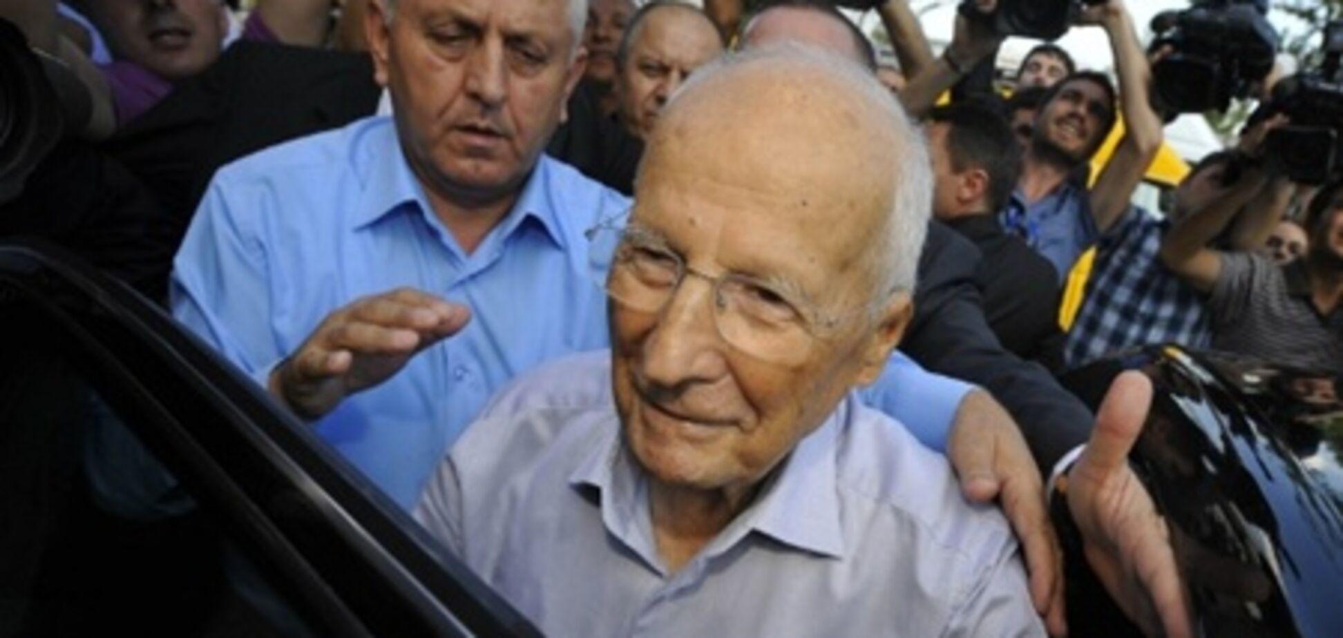 Екс-президенту Туреччини загрожує довічний термін