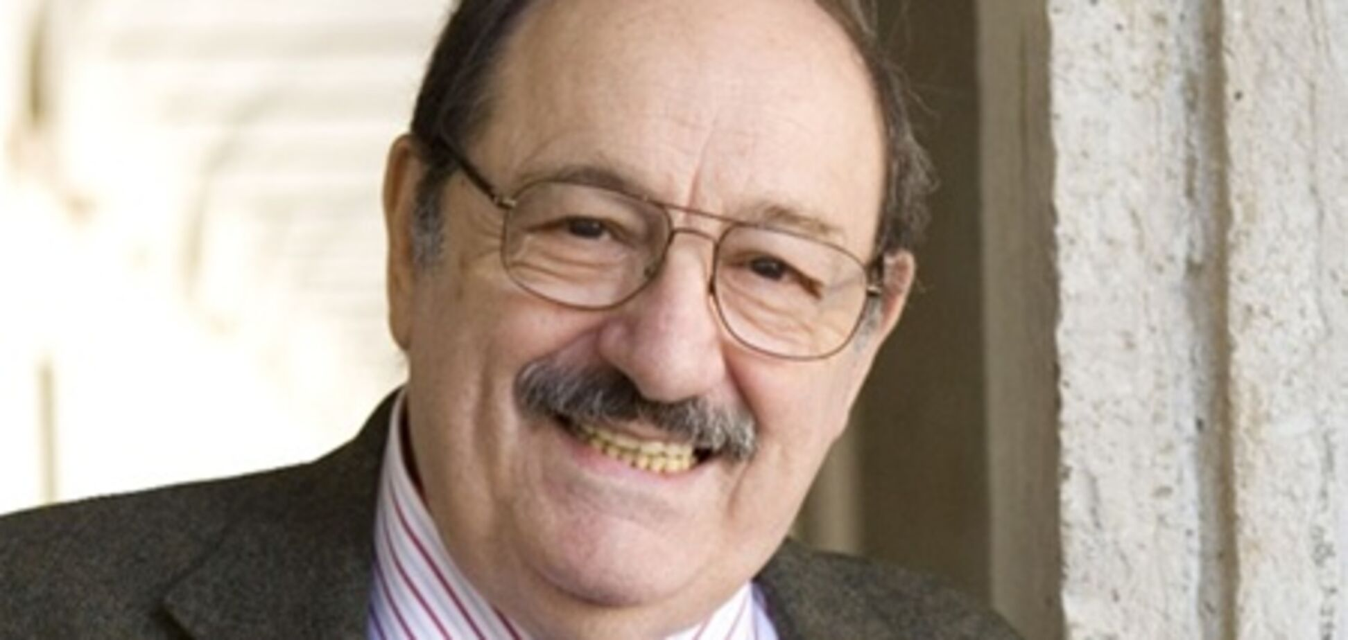 Письменник Умберто Еко відзначає 80-річний ювілей