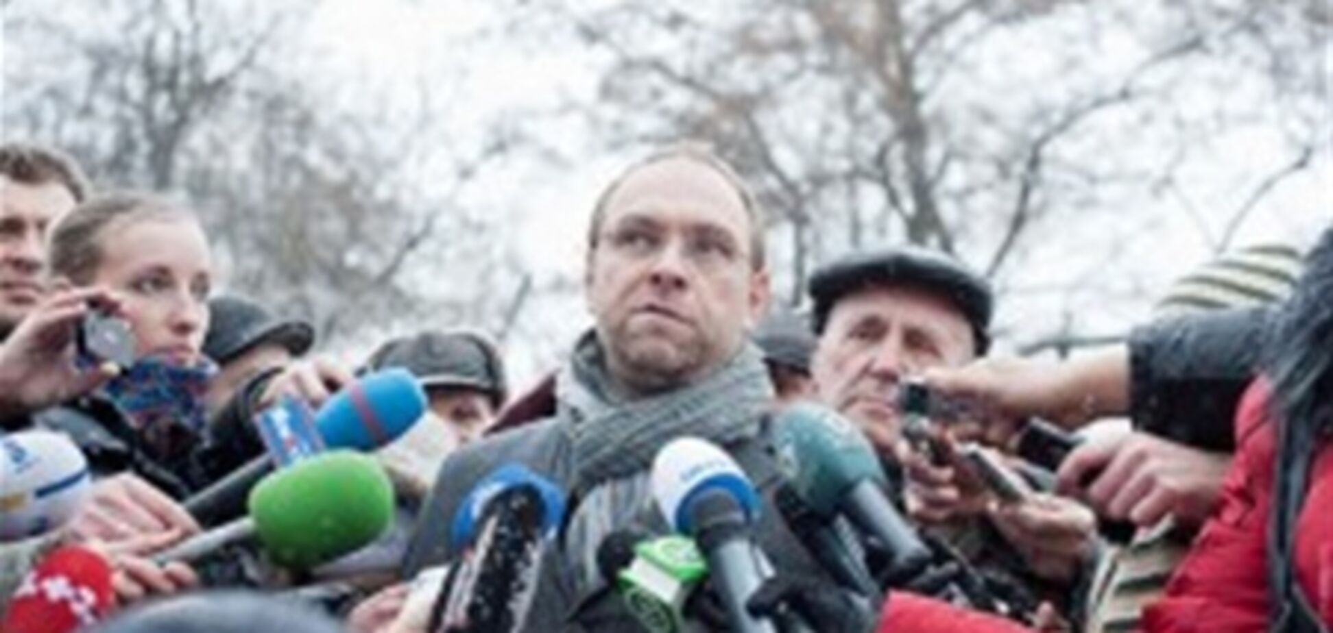 Власенко: Тимошенко як і раніше мучать болі в спині