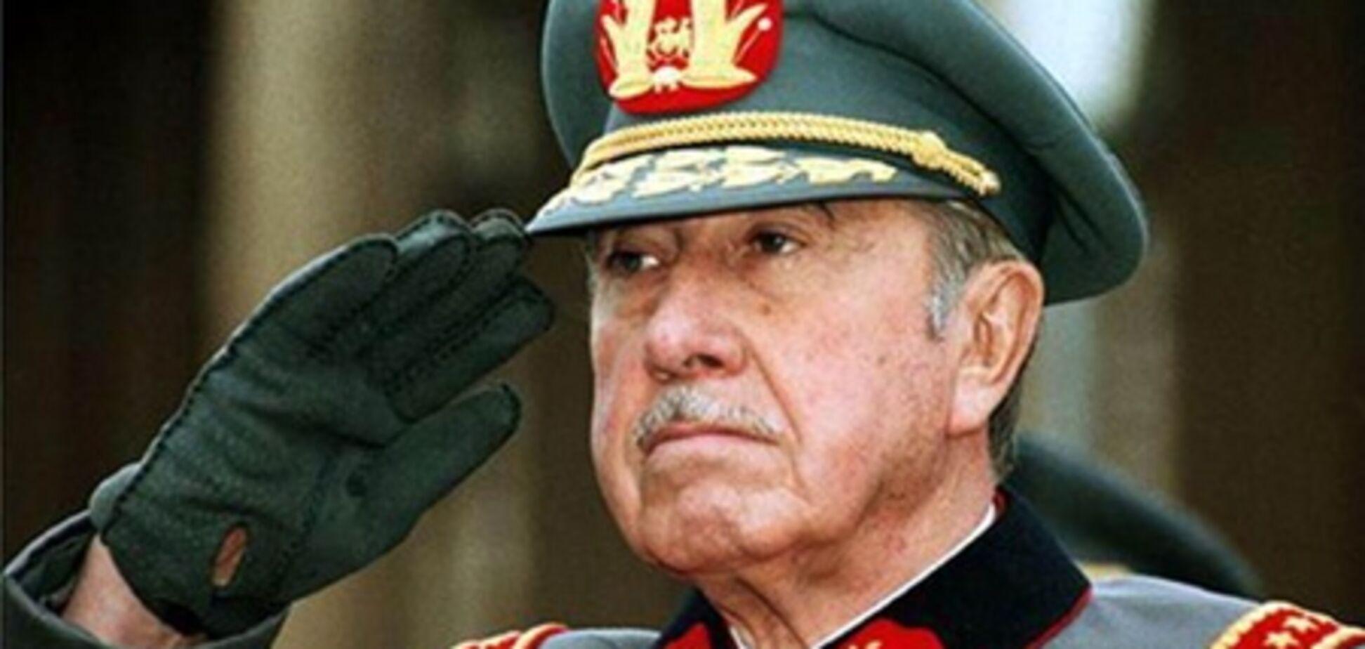 Скандал в Чилі: у підручниках з історії Піночета більше не вважають диктатором
