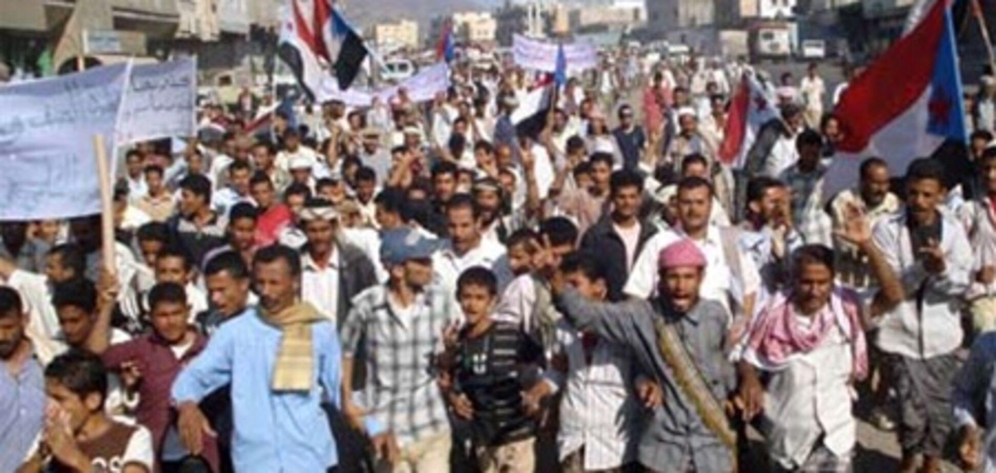 У Ємені десятки тисяч людей вимагають відставки Салеха