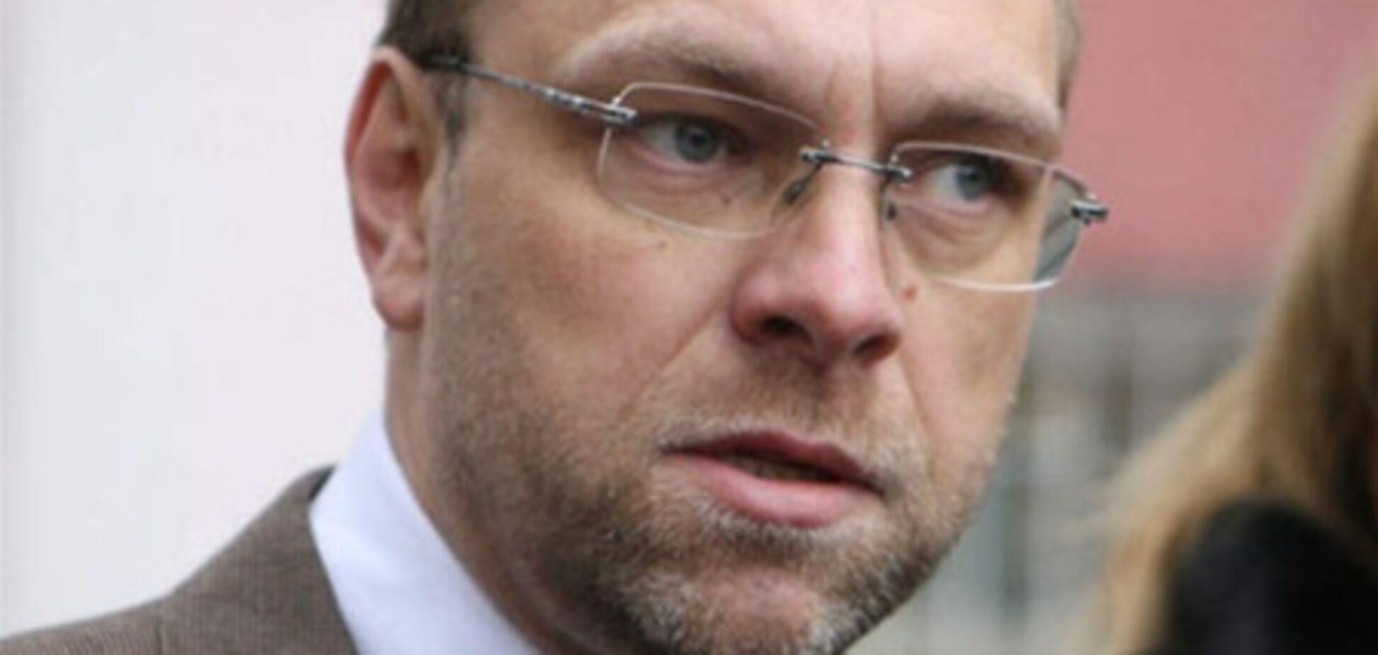 Власенко пояснив, чому чоловік Тимошенко попросив притулку в Чехії