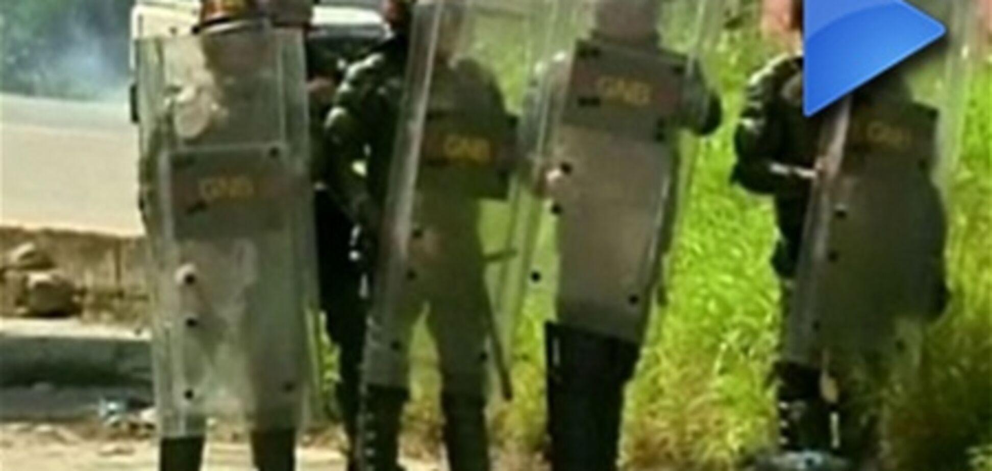 ОБОЗ.TV: у Венесуелі ув'язнені взяли в заручники 700 осіб