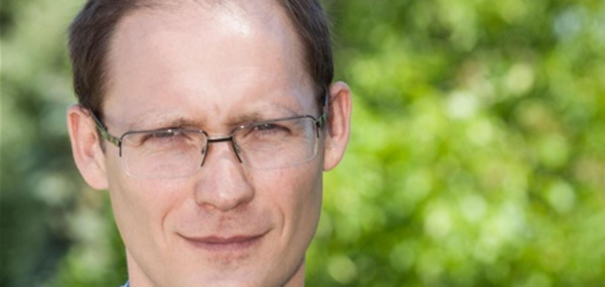 Избитого журналиста программы 'Гроші' выписали из больницы, но пока оставили на больничном