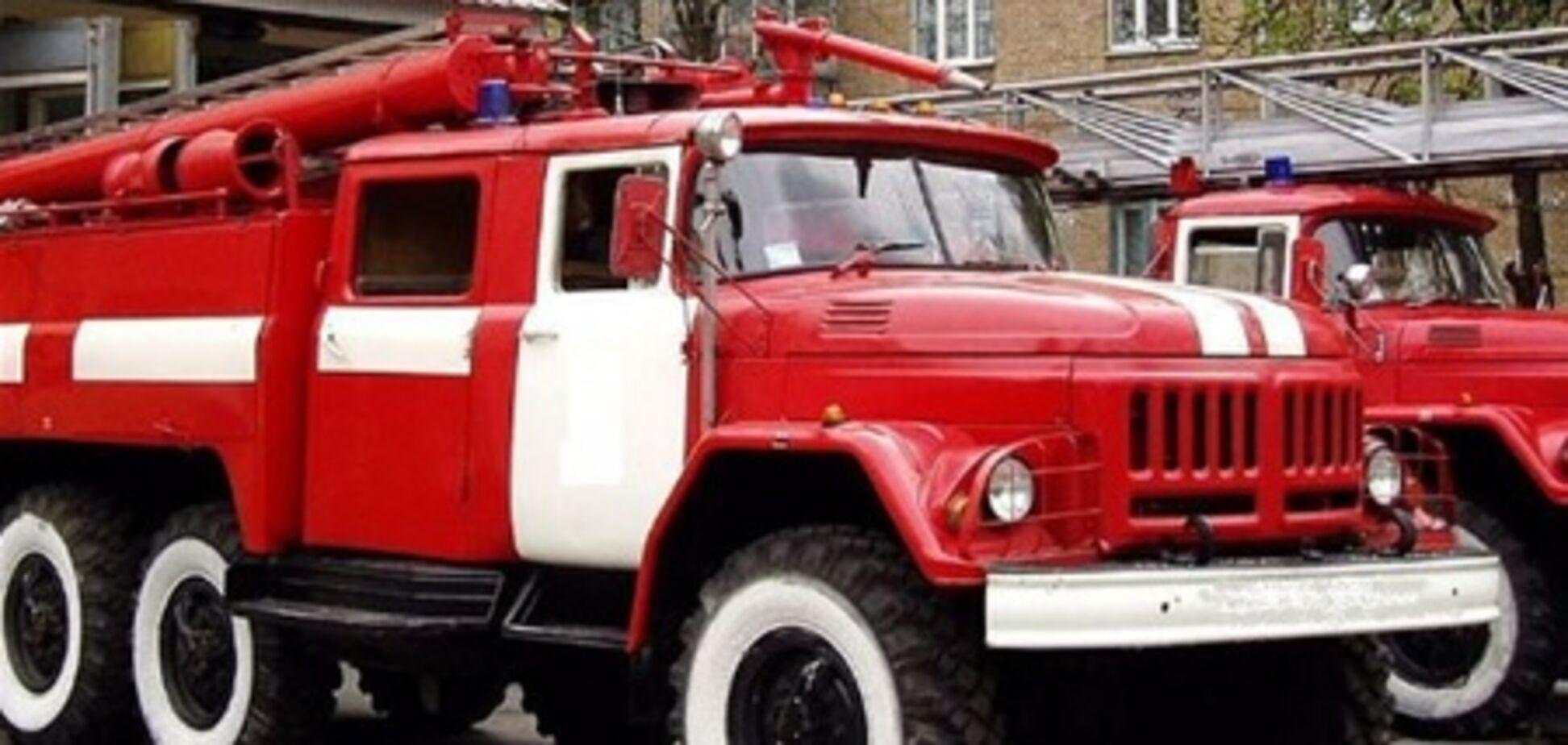 В Киеве горит милицейское общежитие