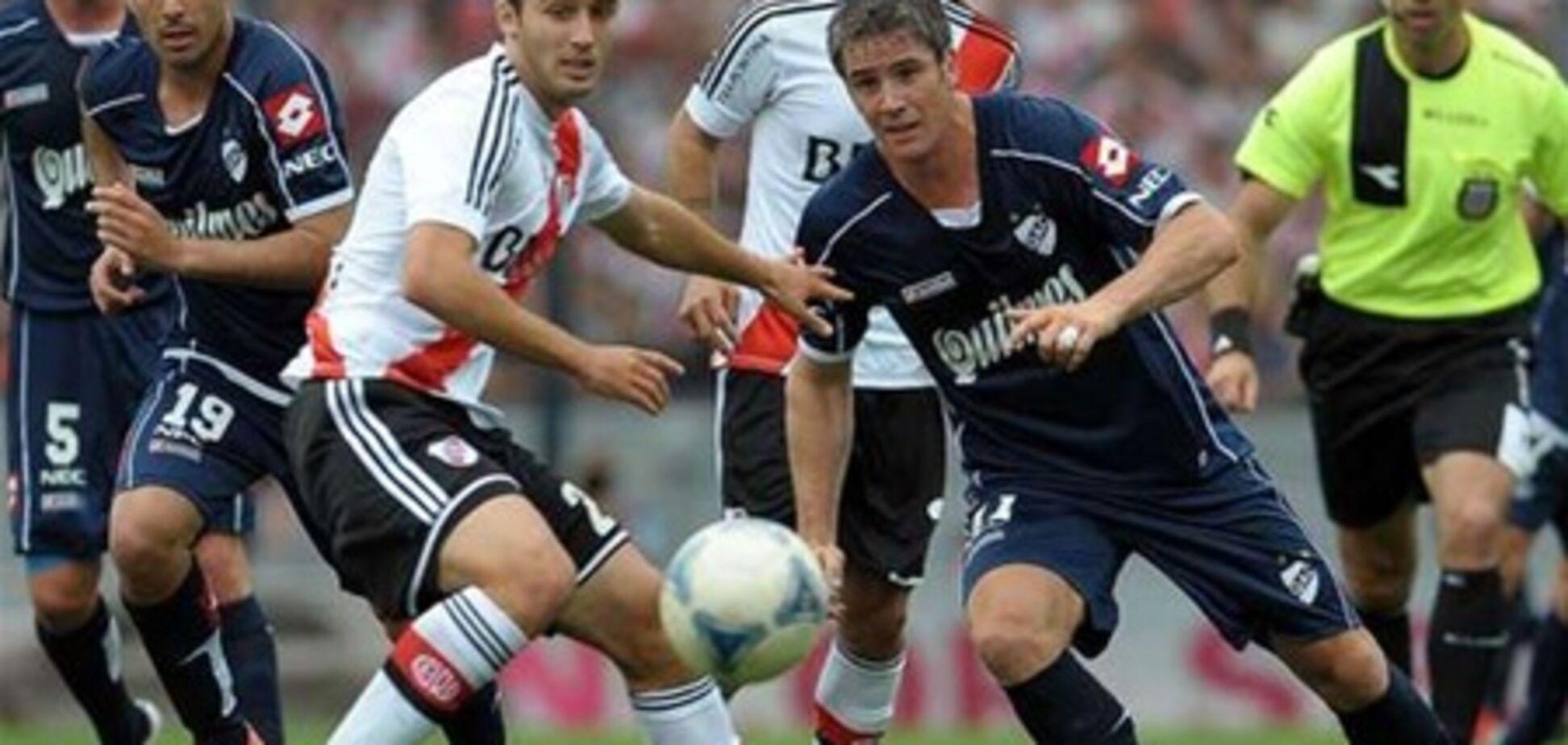 Куры прервали футбольный матч в Аргентине
