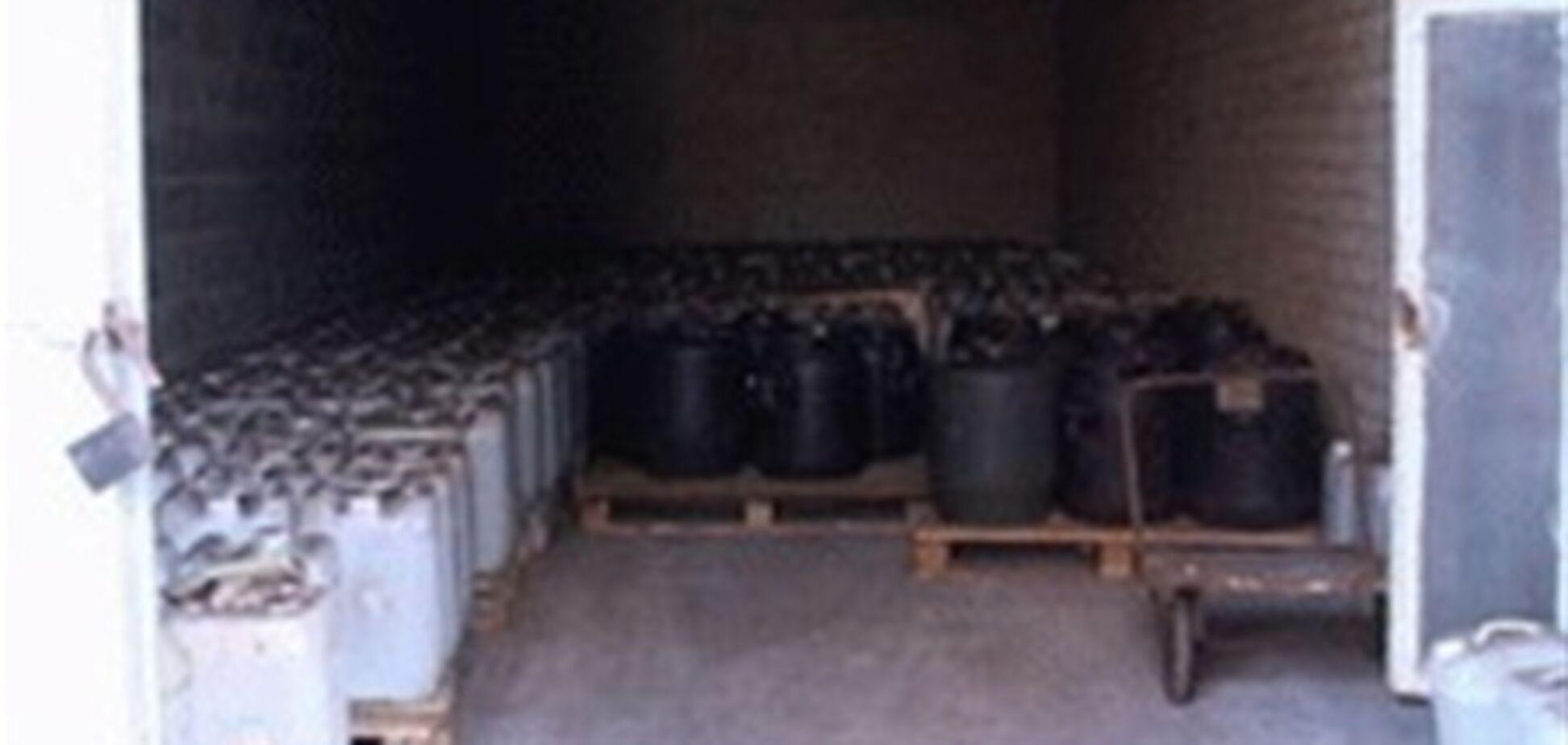В Киеве обнаружили 10 тонн подозрительной соляной кислоты