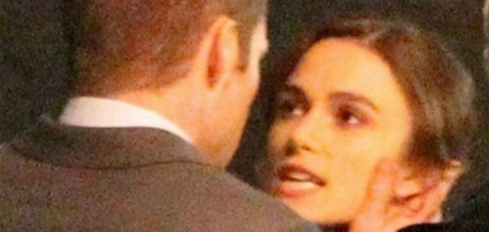 Кира Найтли целуется с капитаном Кирком
