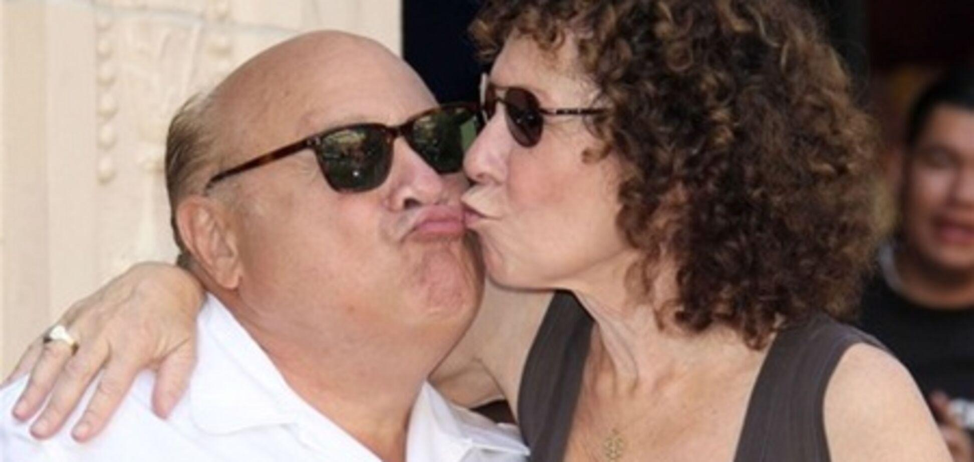 ДеВито подал на развод после 30 лет брака