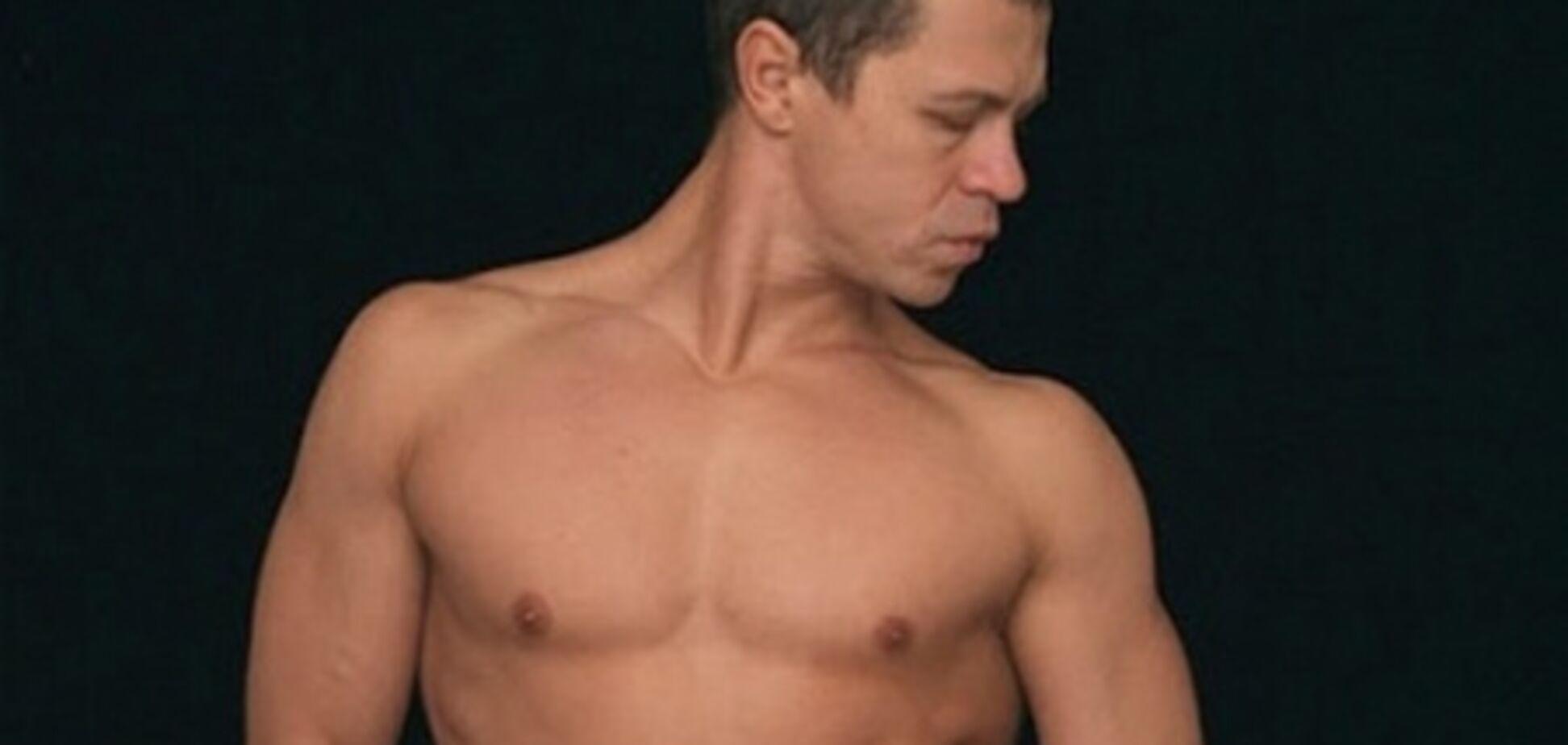 Актор Дерев'янко показав голу ж ... Фото