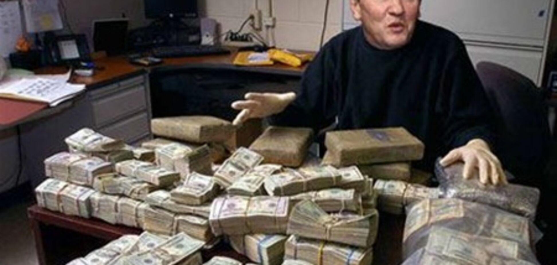 Київ заощадив на охороні Черновецького 2 млн грн