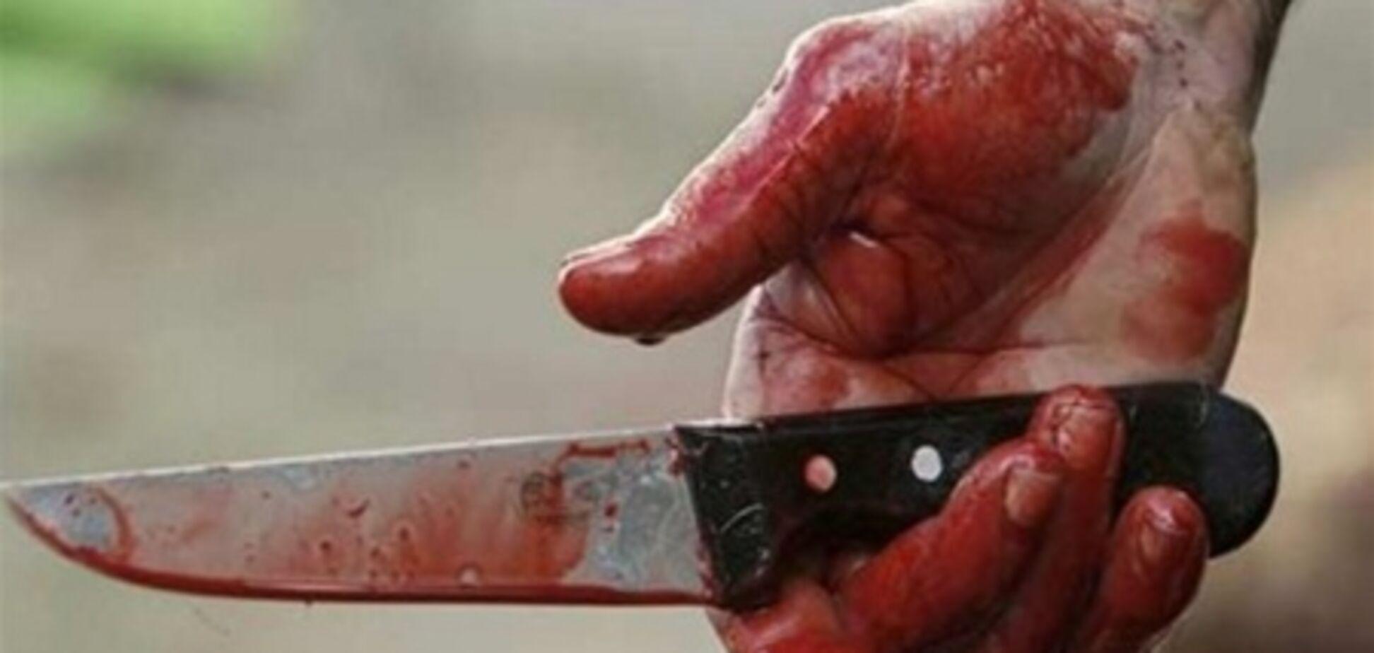 Релігійний фанатик убив двох своїх дітей і матір і поранив дружину