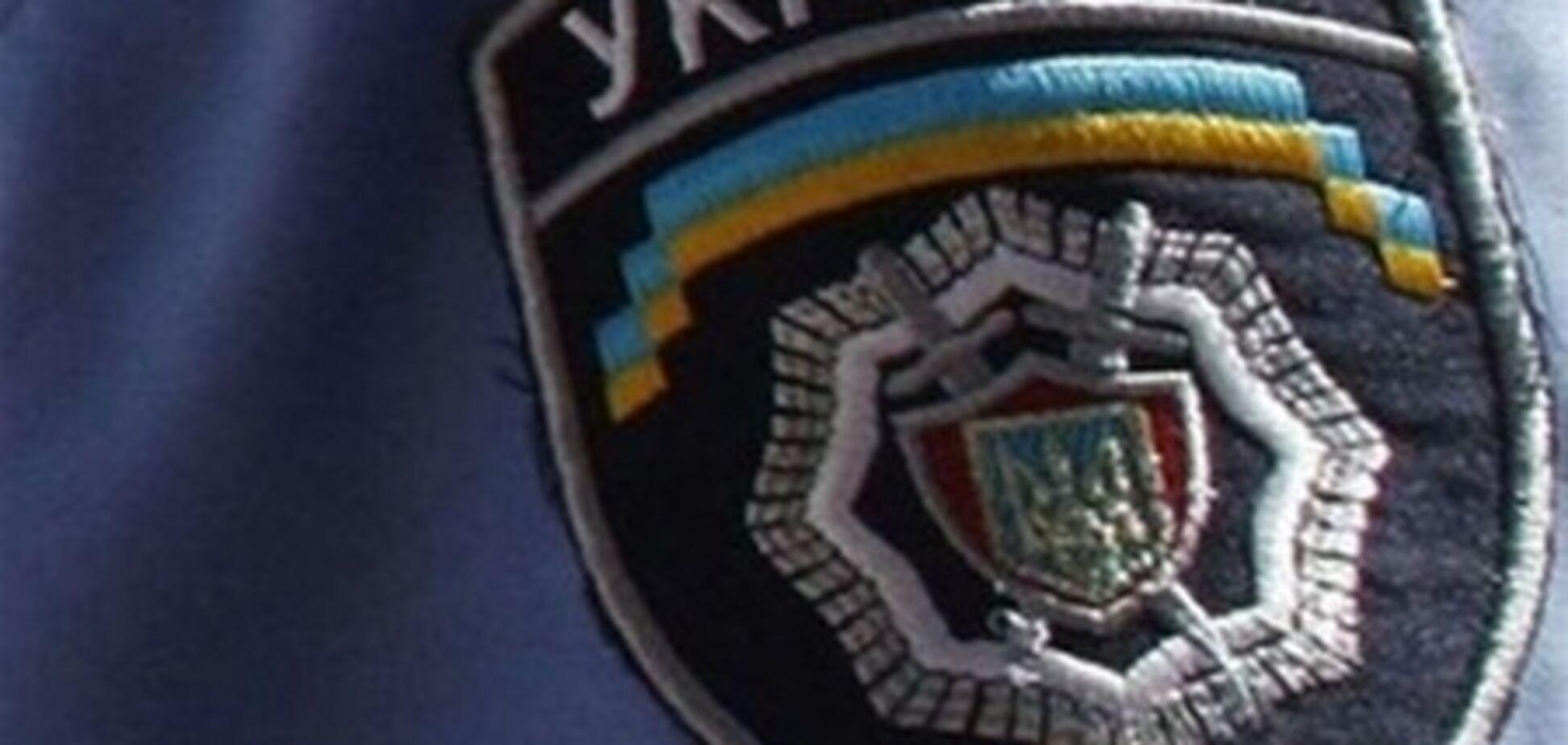 Невідомі обстріляли міліціонерів на АЗС під Вінницею