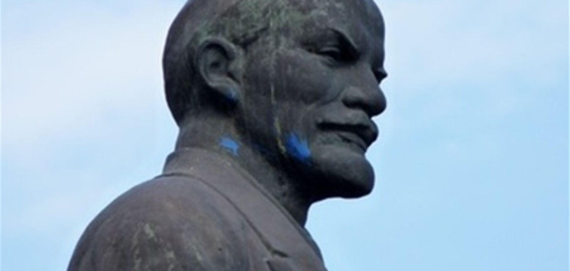 У Дніпродзержинську Леніну 'помстилися' за Голодомор