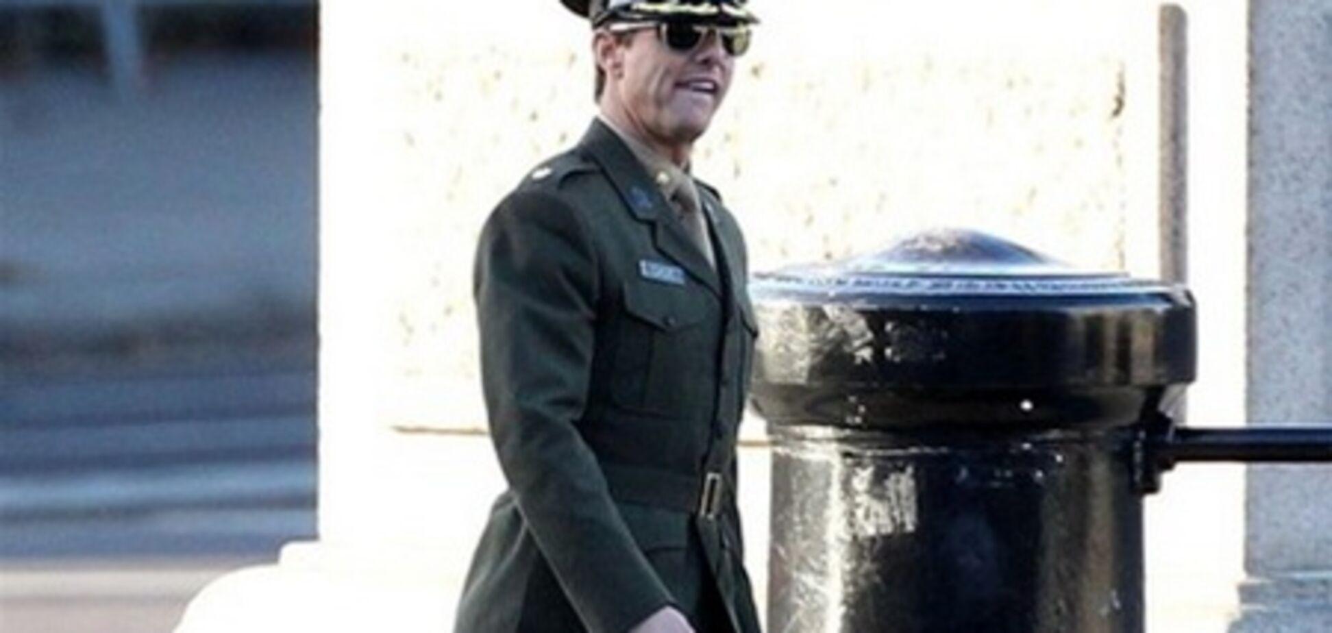 Военный мундир Тому Крузу очень к лицу