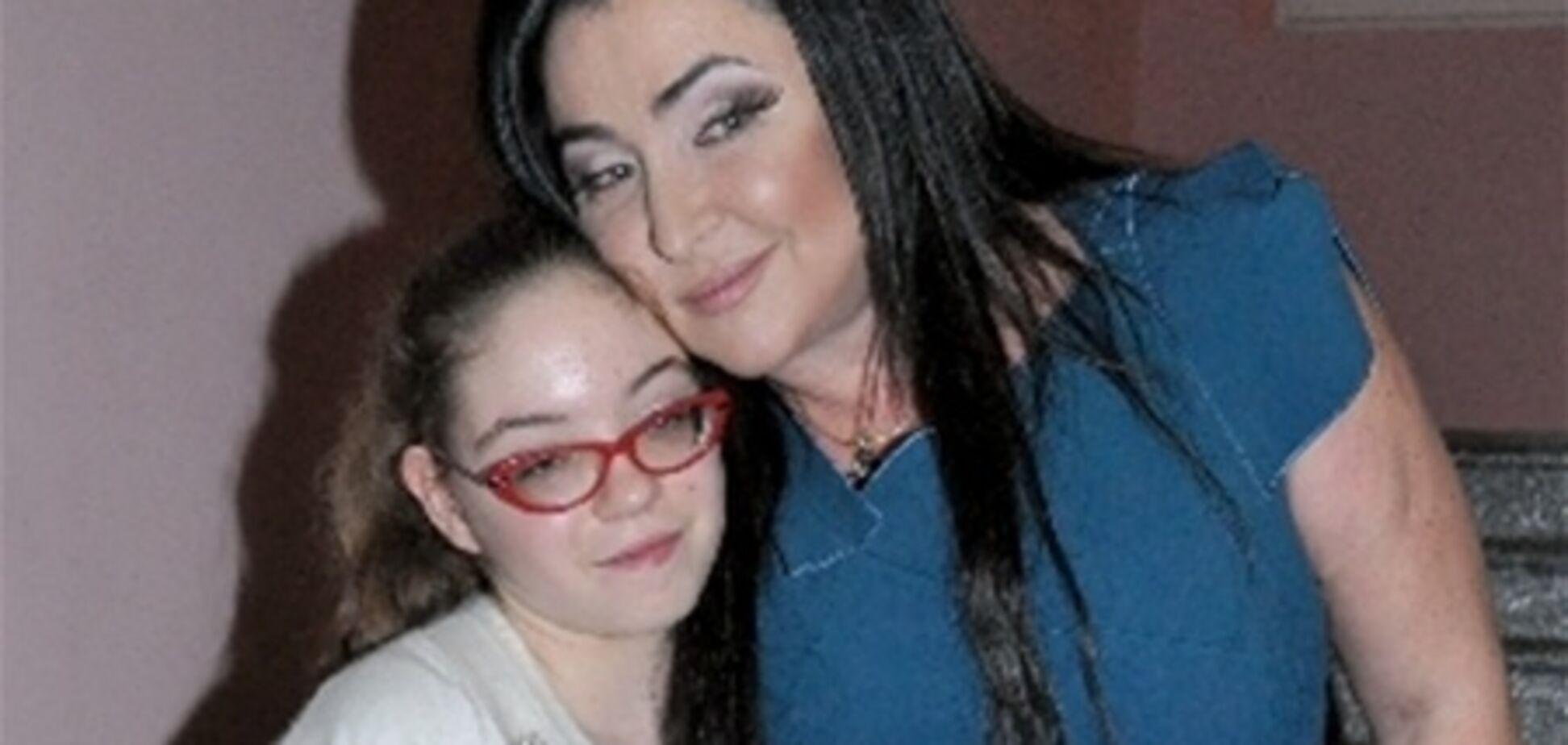 Лоліта бачить дочка тільки на її День народження