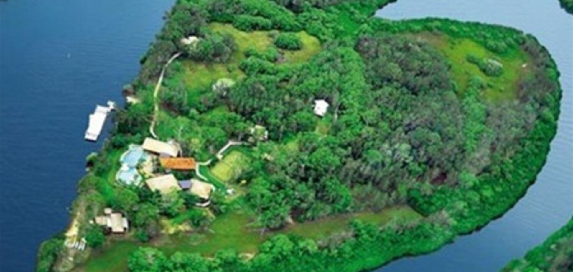 В США продается остров в форме сердца