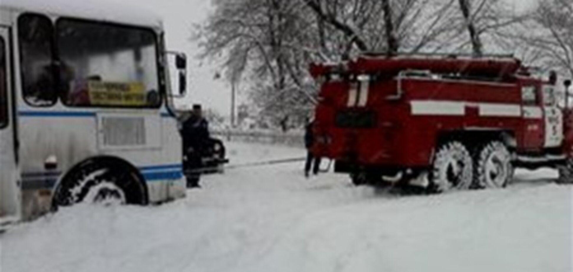 У затор на Буковині потрапили півтисячі людей