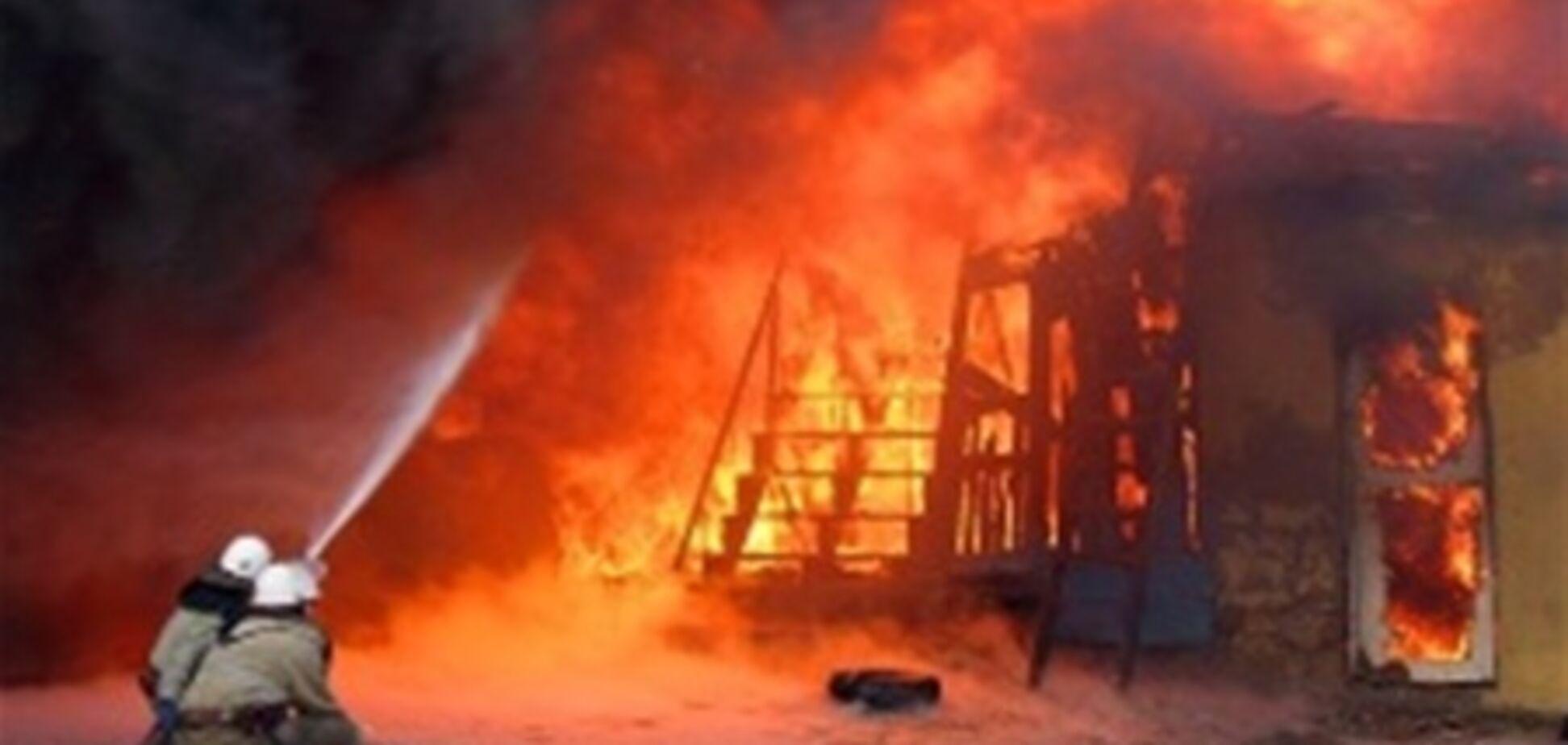 В Євпаторії сталася пожежа в яхт-клубі. Відео