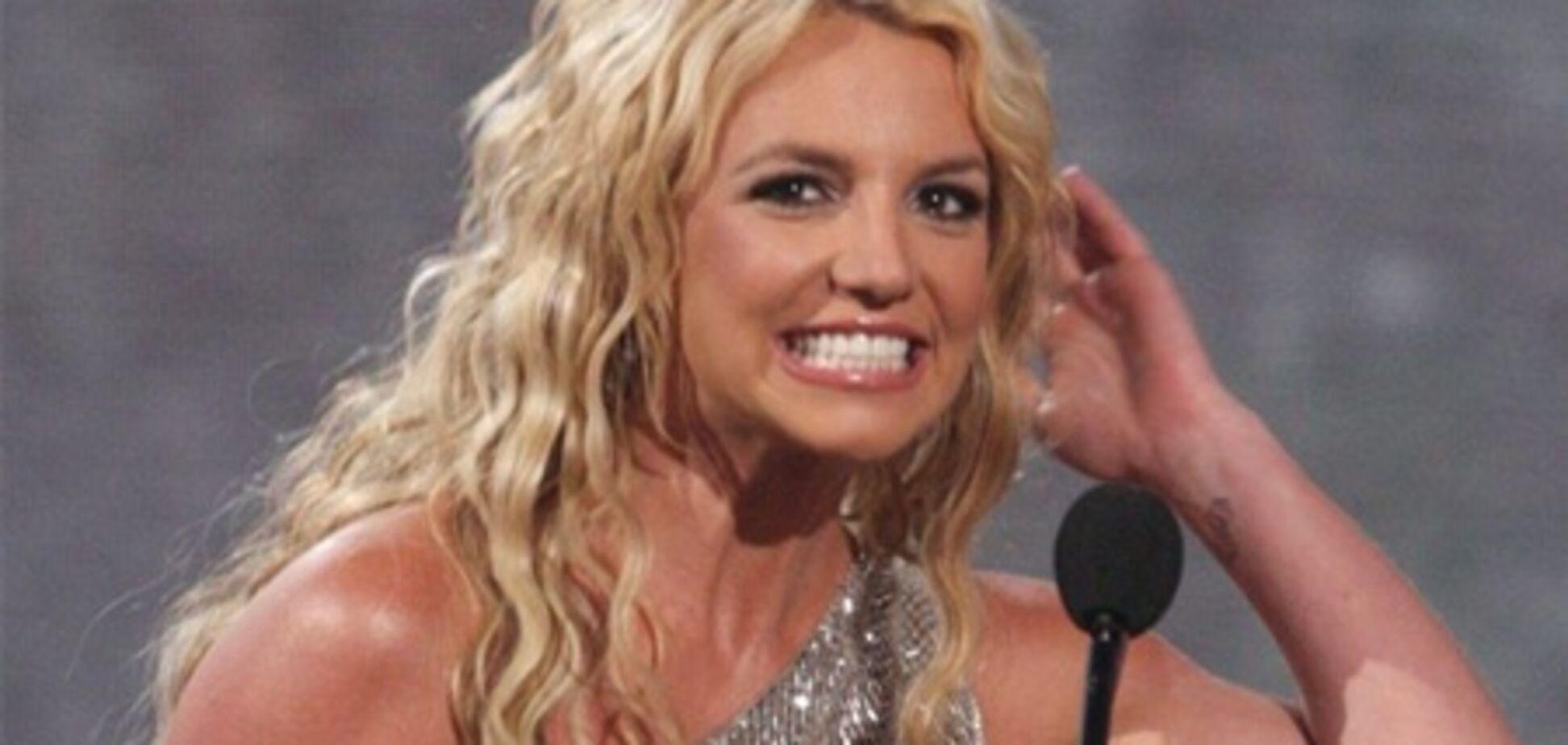Спирс, Свифт и Рианна признаны самыми дорогими певицами мира