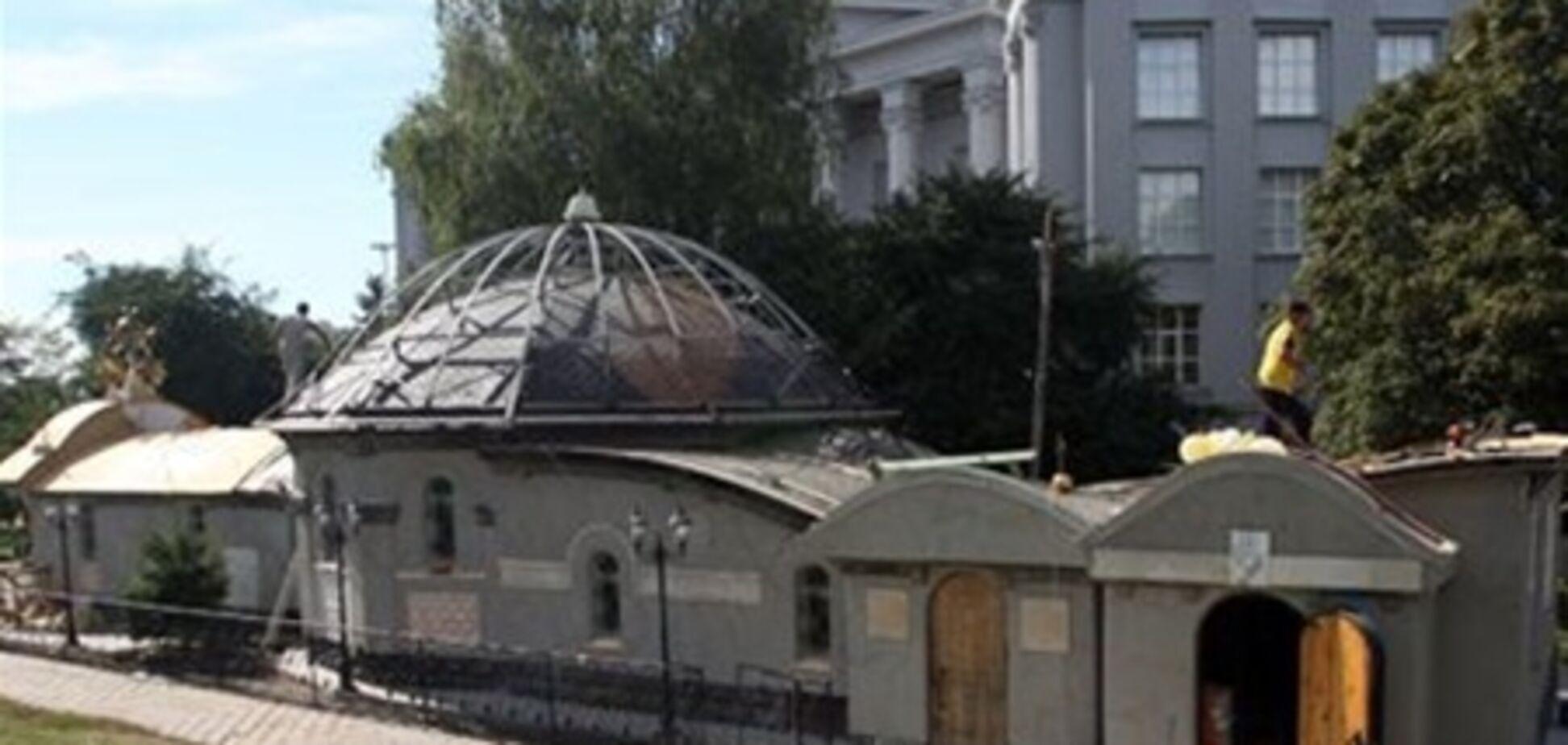 В Киеве горела часовня УПЦ МП возле фундамента Десятинной церкви