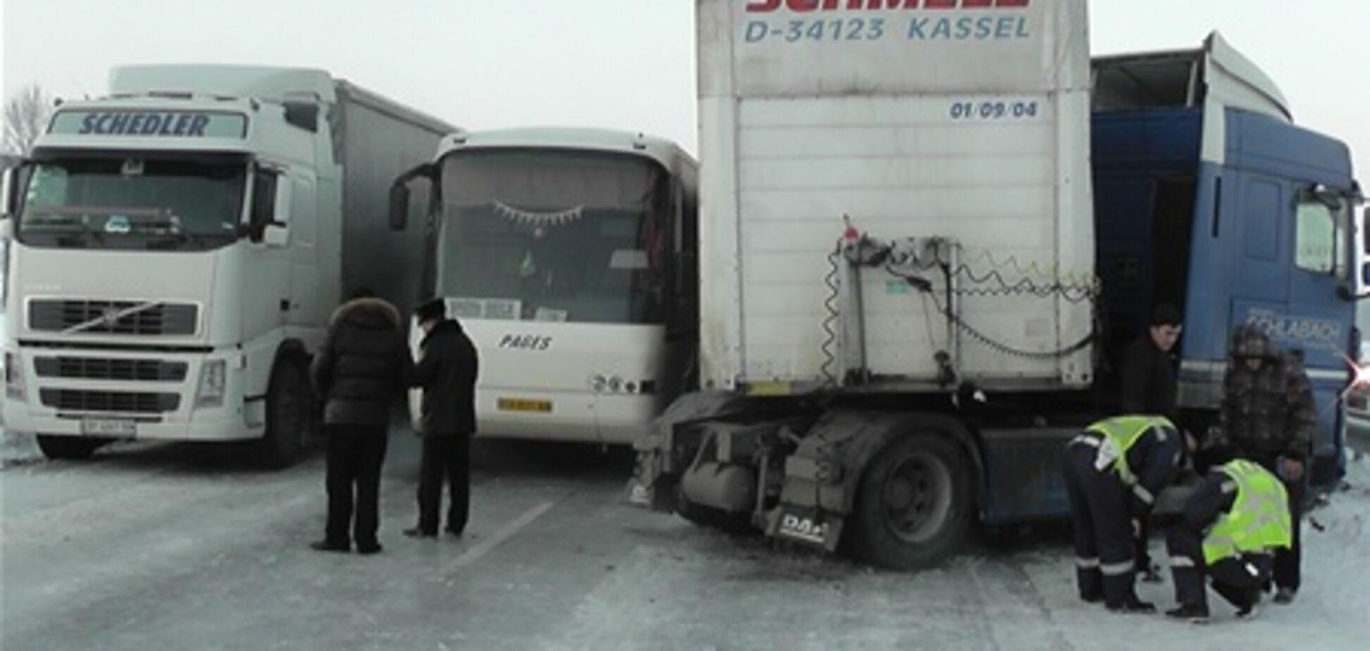 На трасі 'Київ-Одеса' утворилася пробка з 800 авто