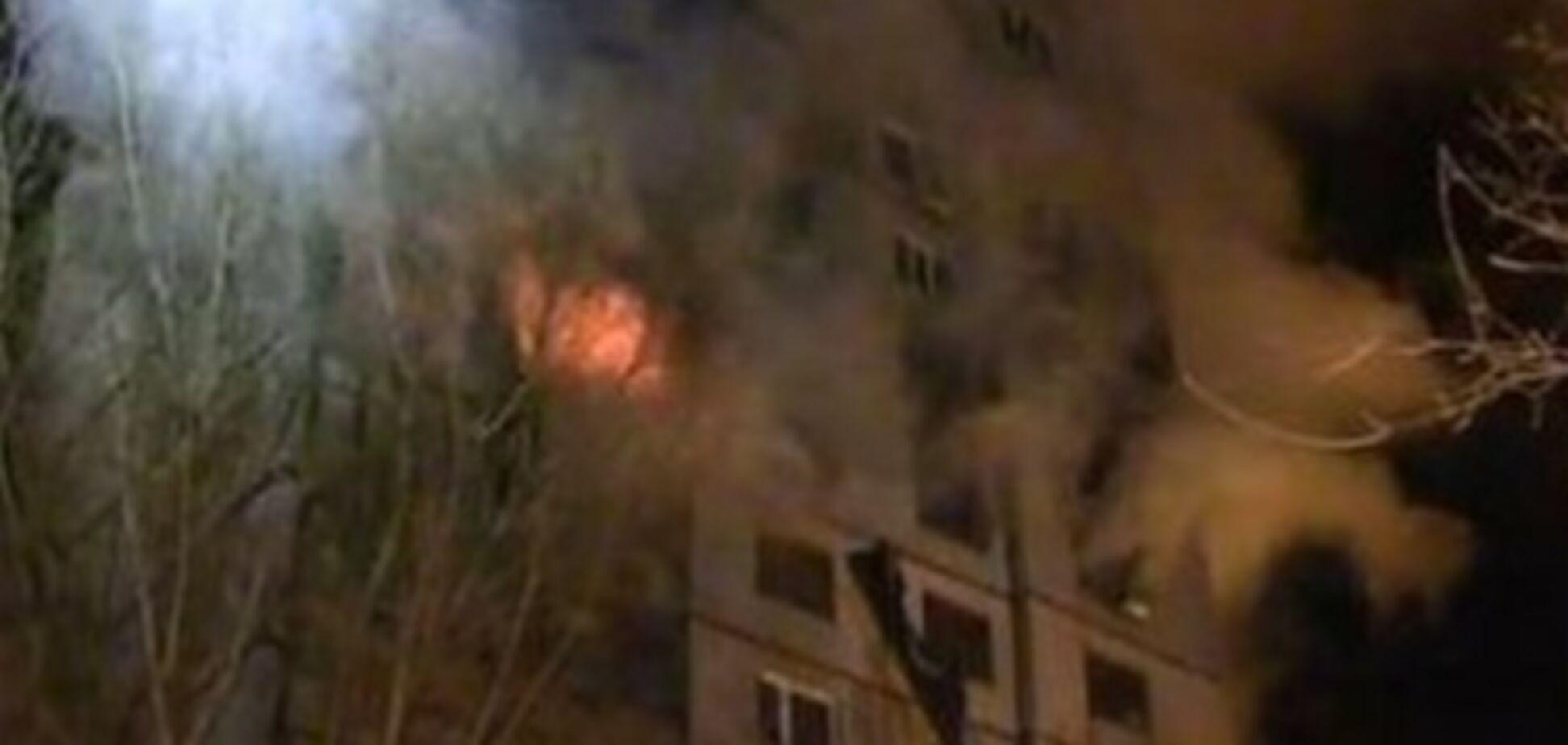 У Харкові після вибуху жінка зістрибнула з 10 поверху з двома дітьми