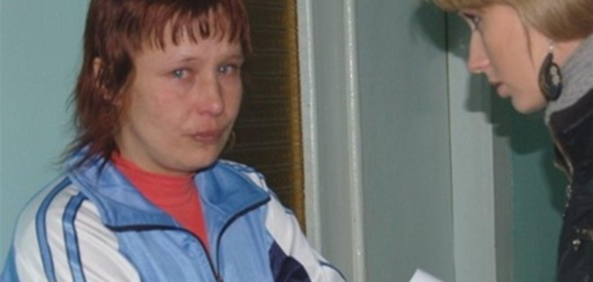 Мати Оксани Макар пригрозила розбити голову правозахисниці