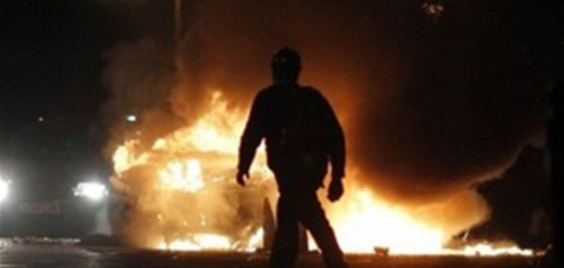 Прокурору Мукачево в День працівників прокуратури спалили новий Mercedes
