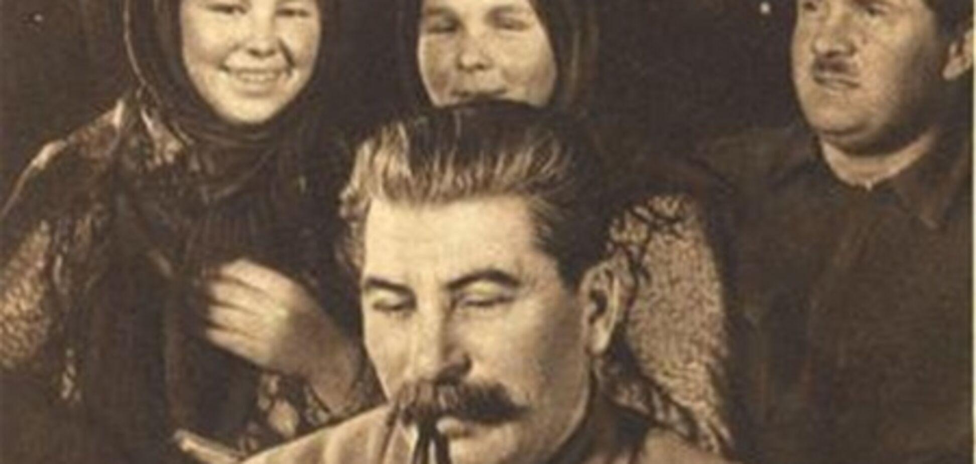 Януковича просят воспрепятствовать открытию в Крыму выставки, посвященной Сталину