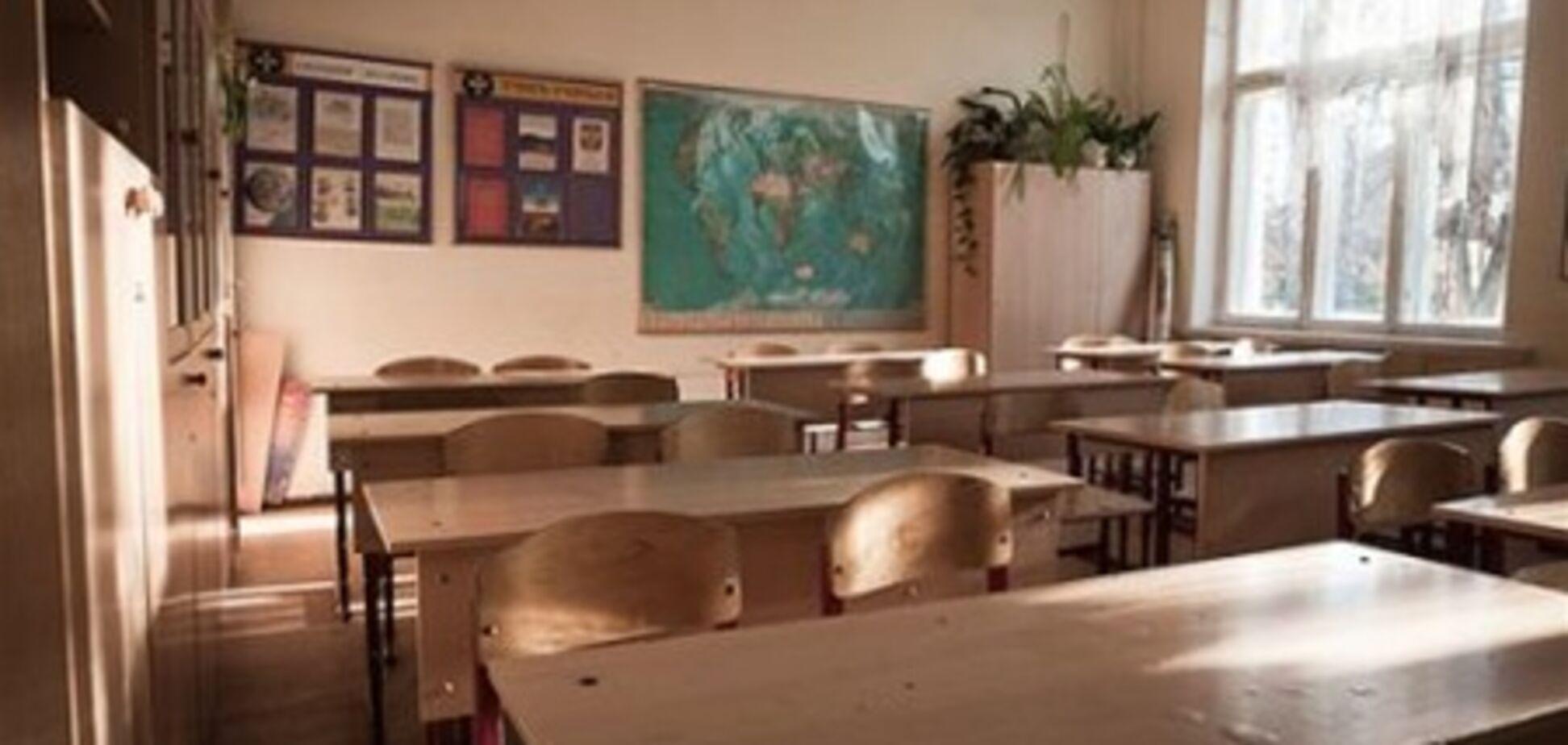 У Харкові завуч школи зламала учениці руку