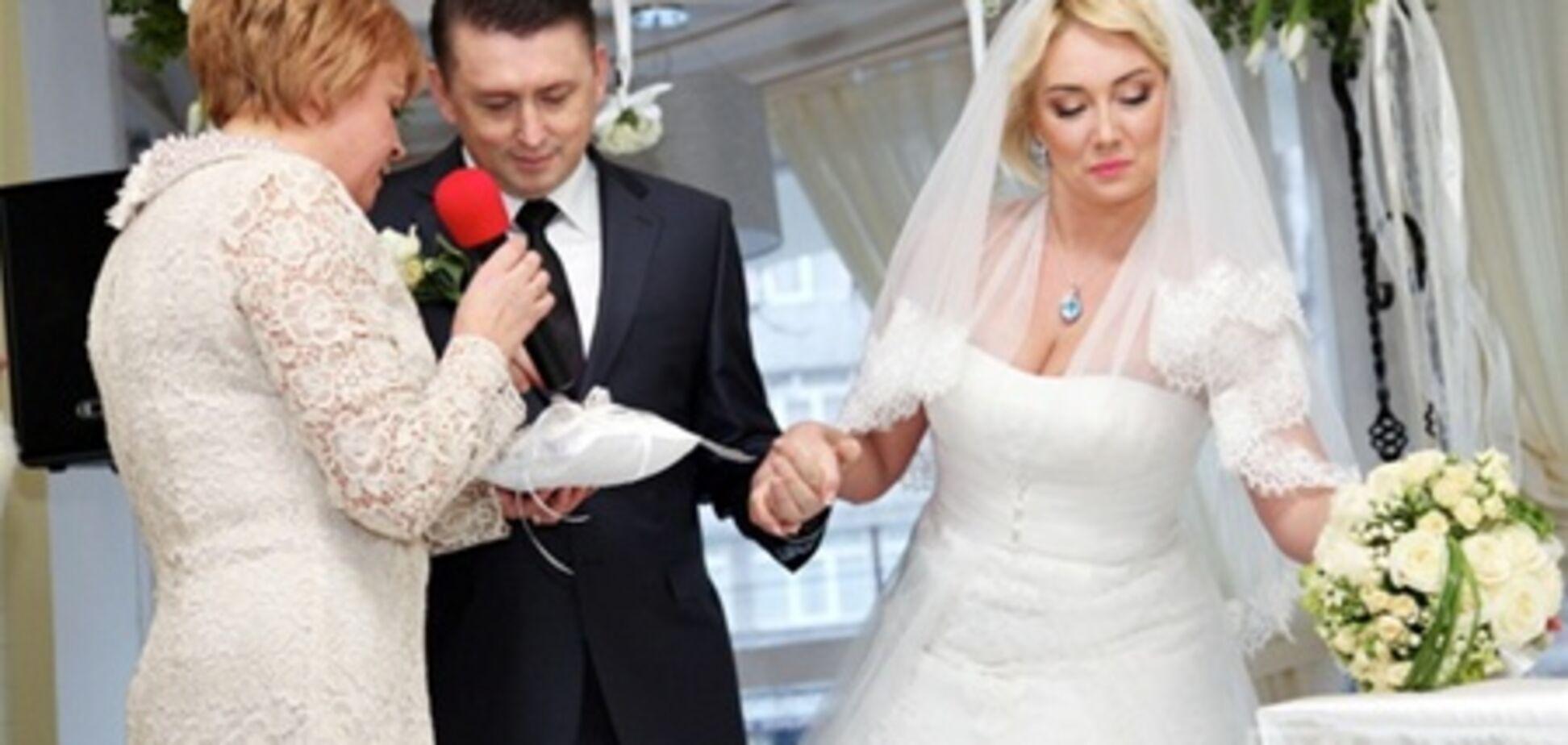 В первую брачную ночь Розинская и Мельниченко сломали диван