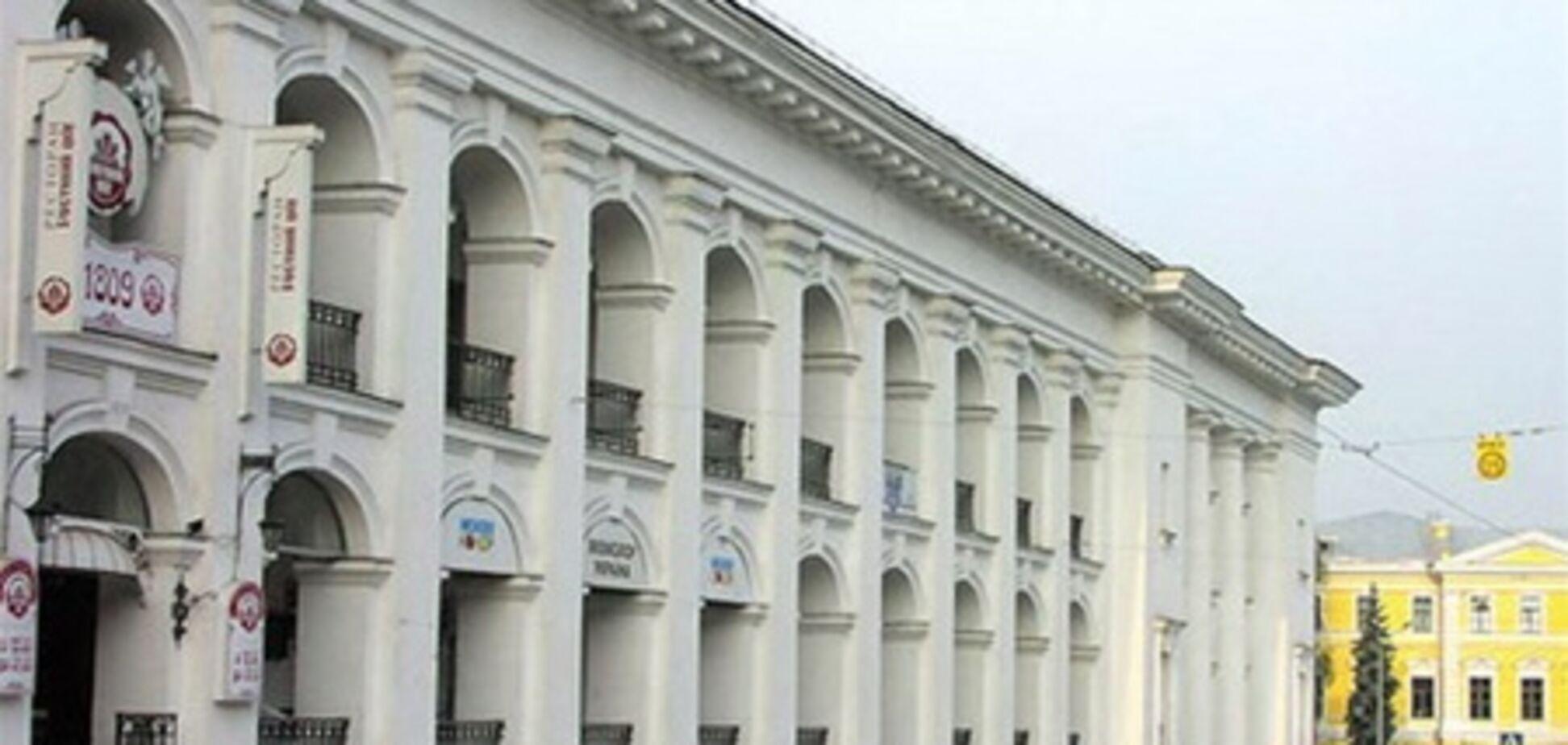 Прокуратура зобов'язала міліцію охороняти порядок в Гостиному дворі