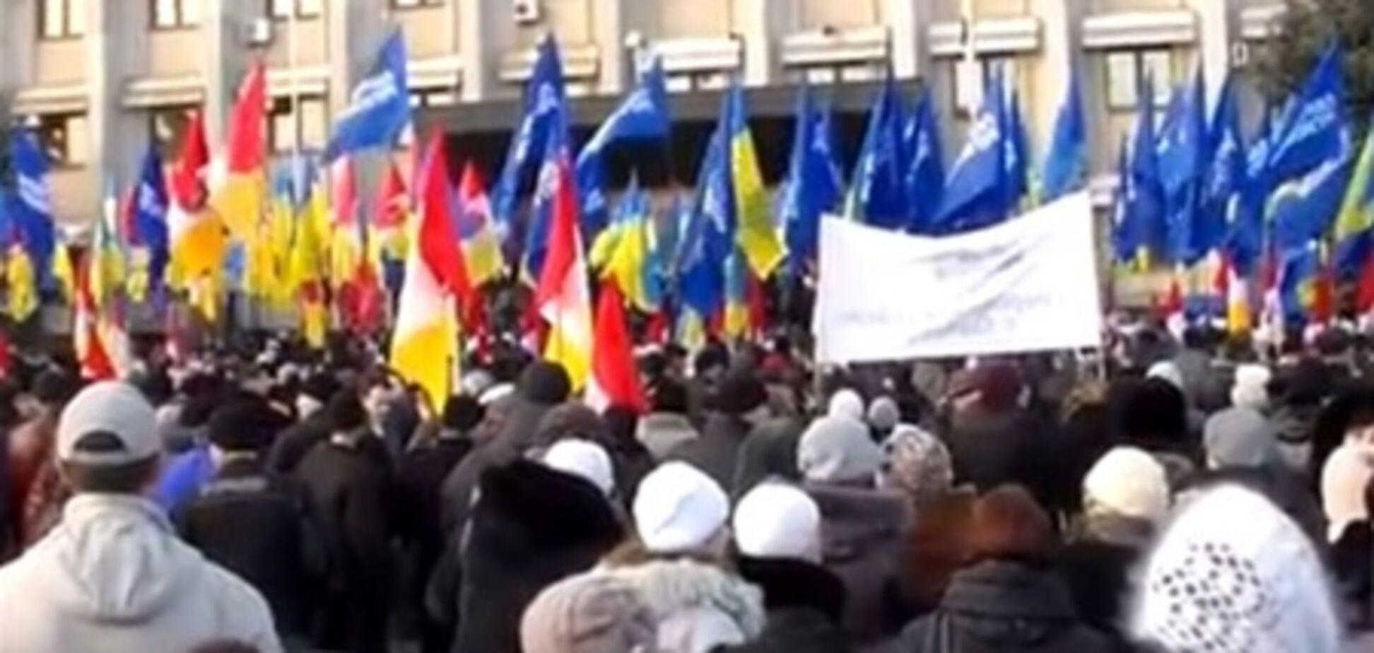 В Одесі на журналістів напали 'антифашисти'. Фото. Відео