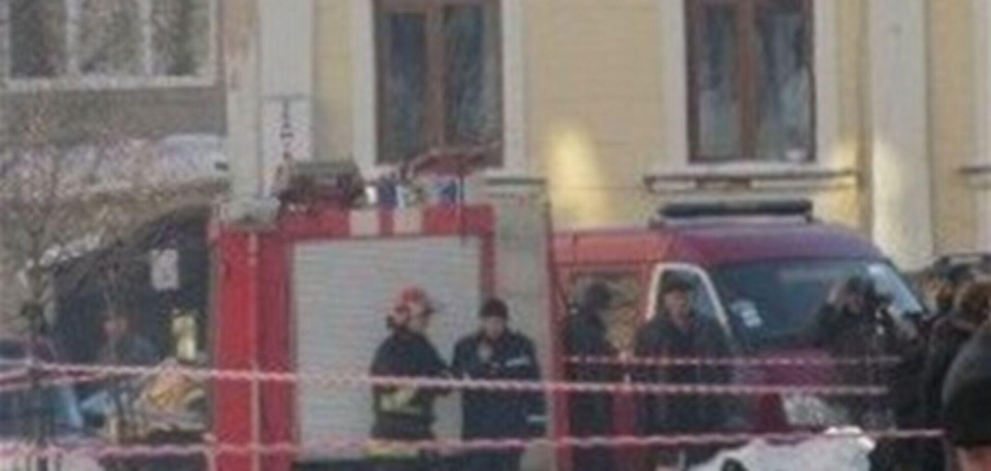 У МВС запевняють, що вибух в університеті Чернівців - не теракт