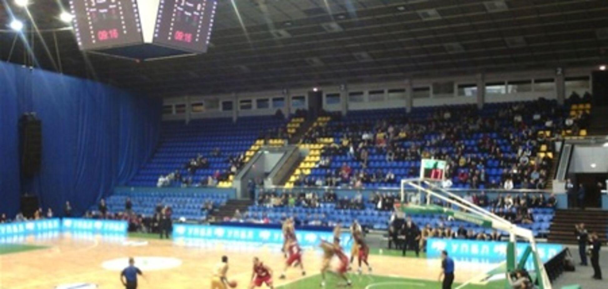Єврейських вболівальників під час баскетболу врятувала охорона синагоги