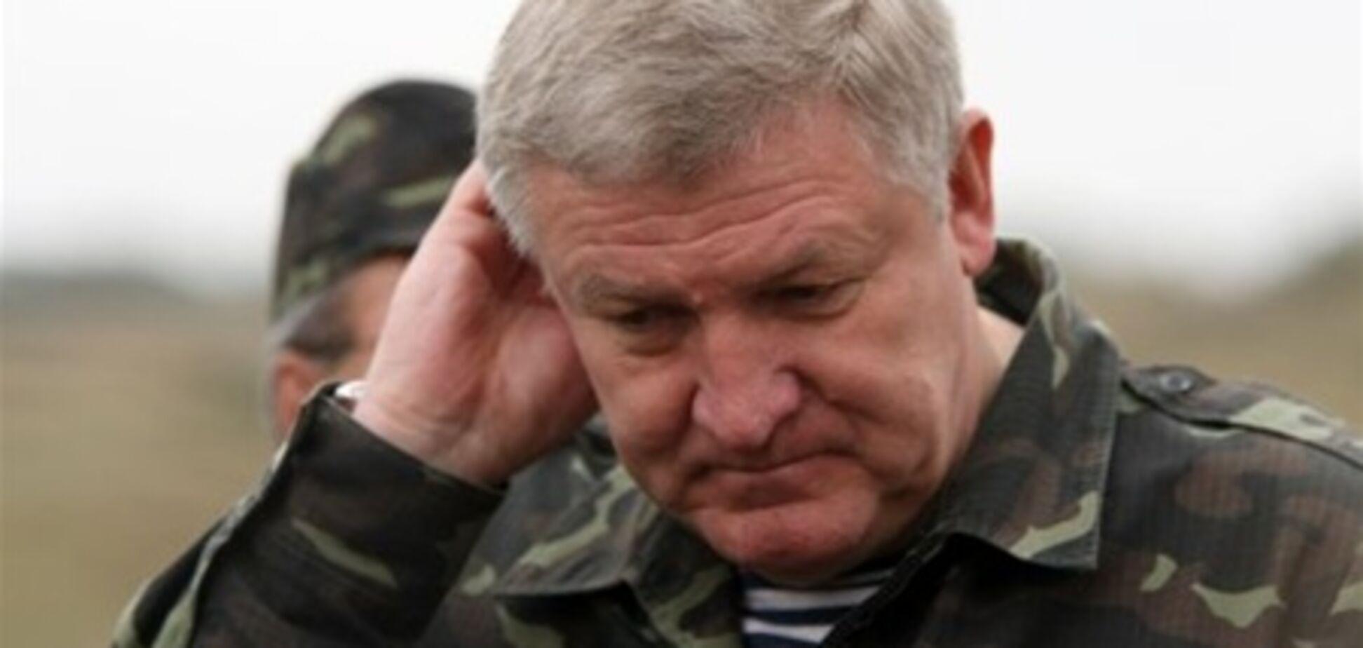 Янукович пообіцяв Єжелю нову військову посаду