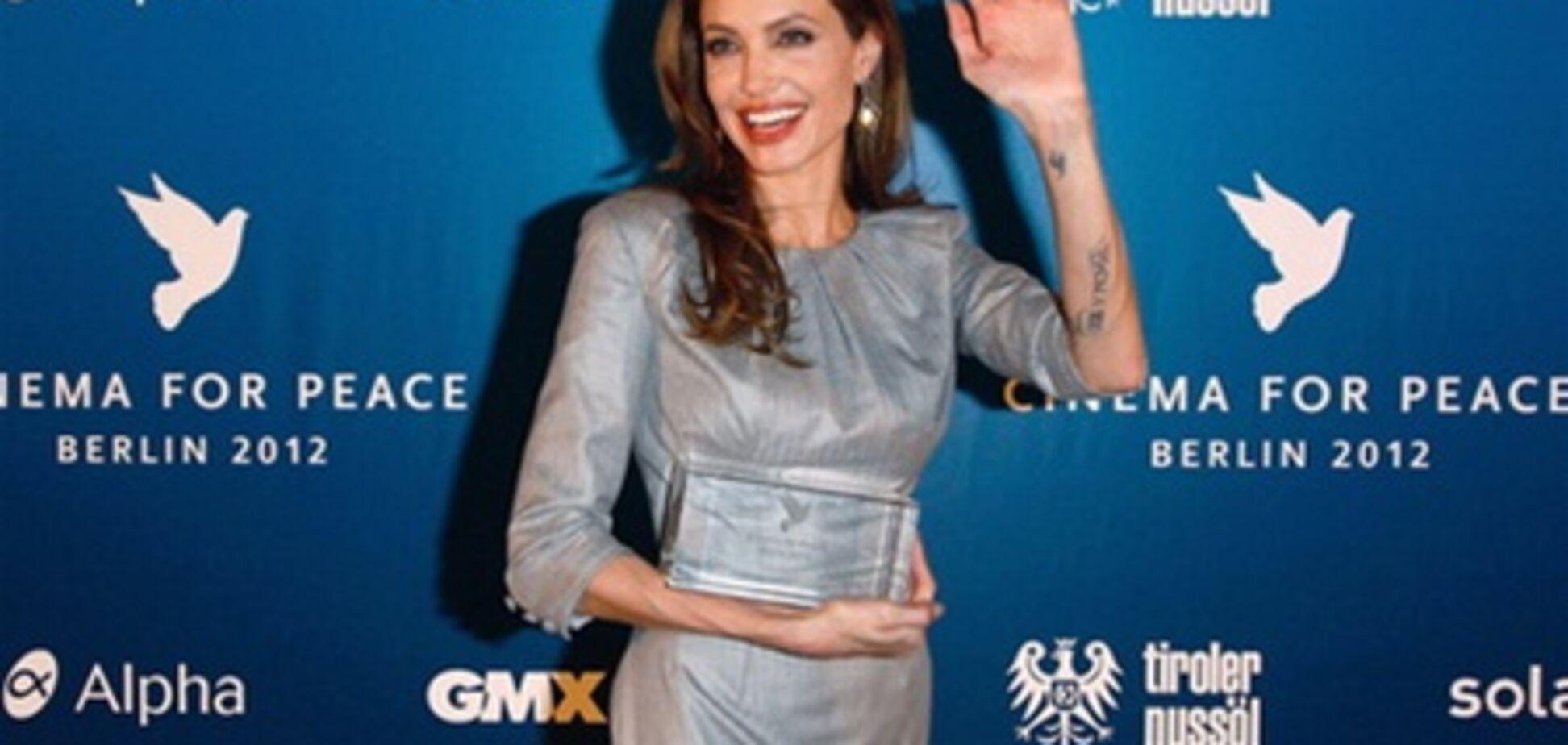Анджелина Джоли и Орнелла Мути на красной дорожке Берлинале