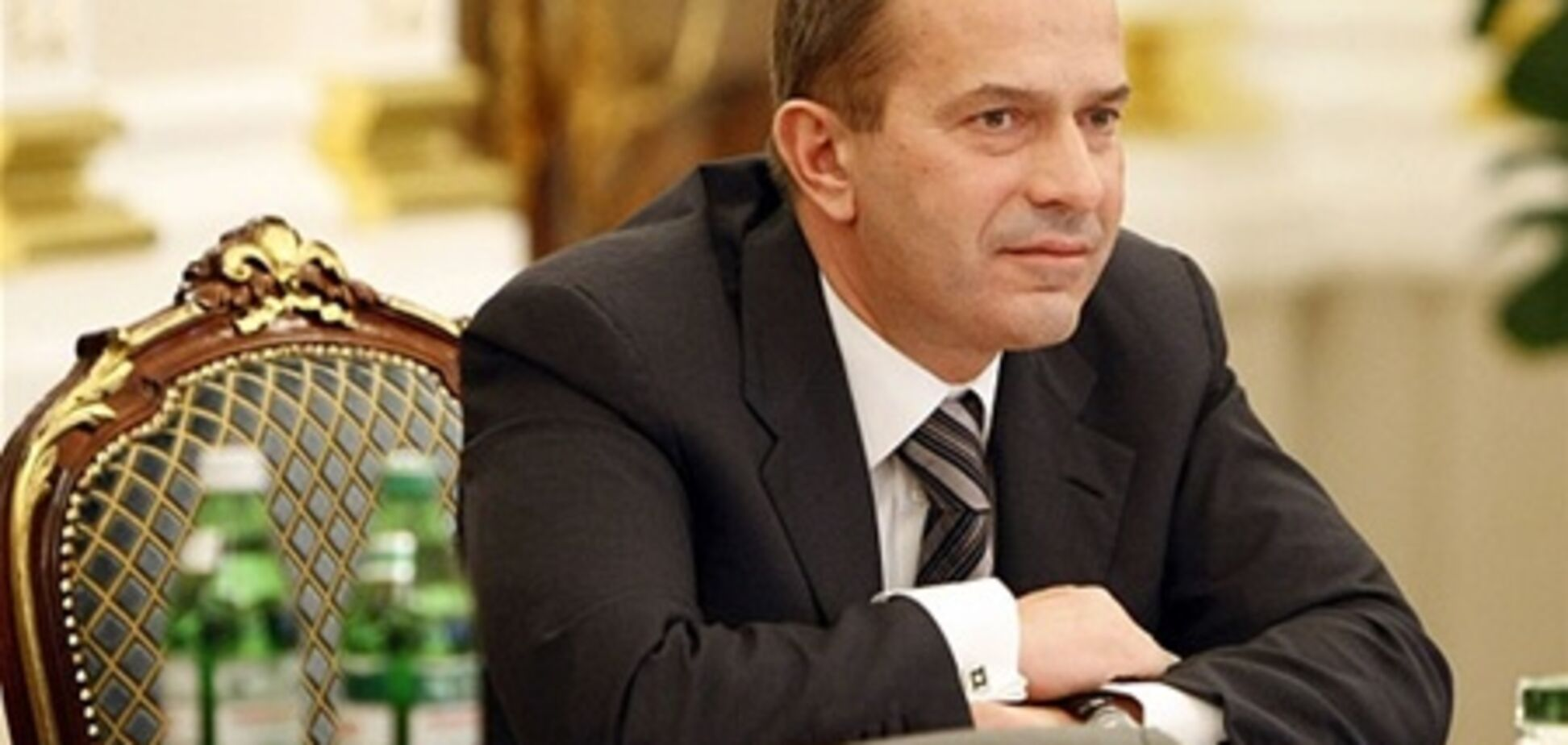 Янукович ищет замену Клюеву