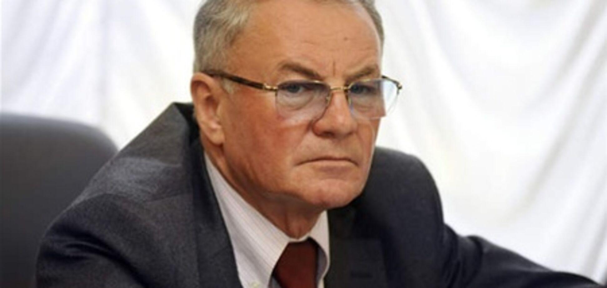 Яворівський: Янукович не зможе звільнити Табачника