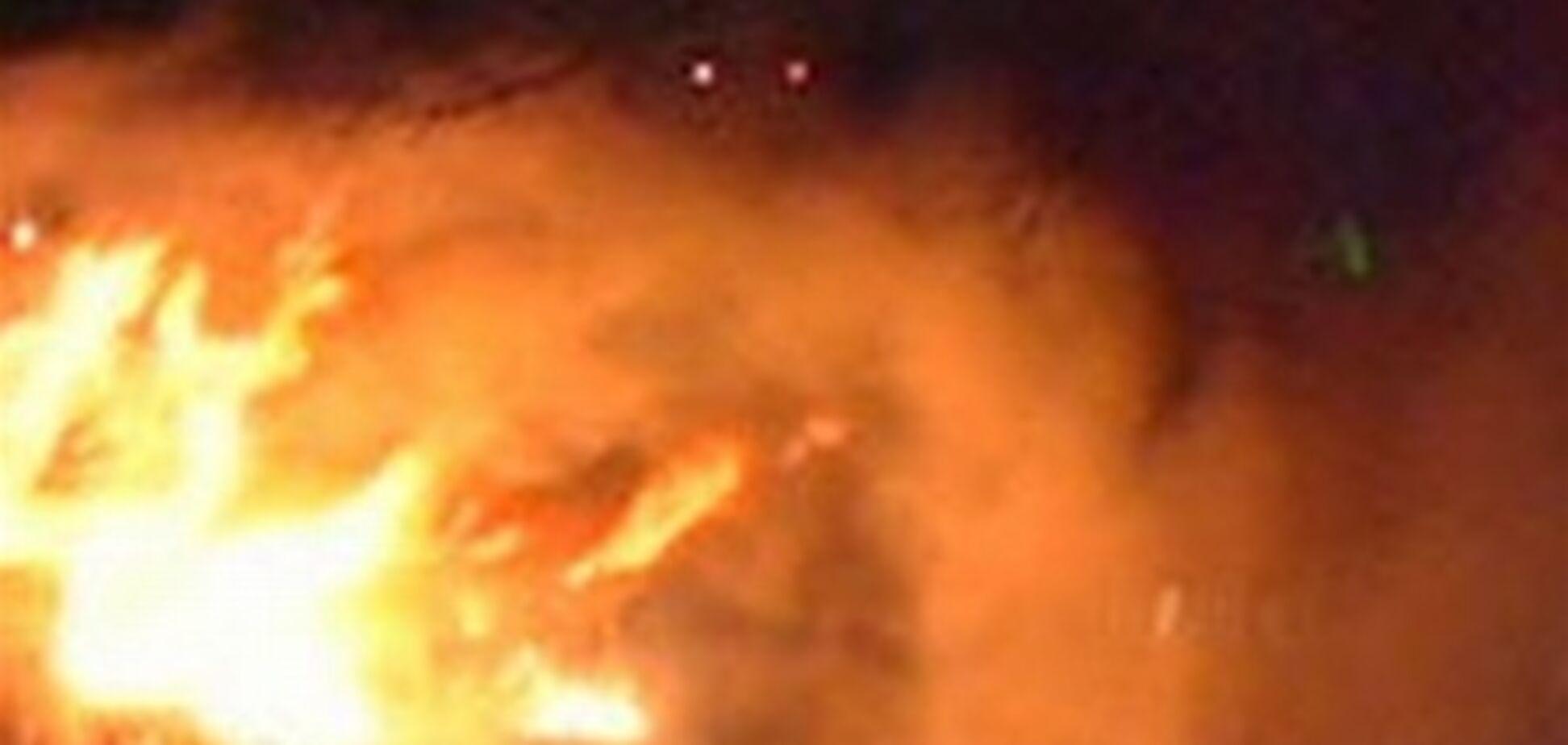На Русановке незаконно поджигают дома