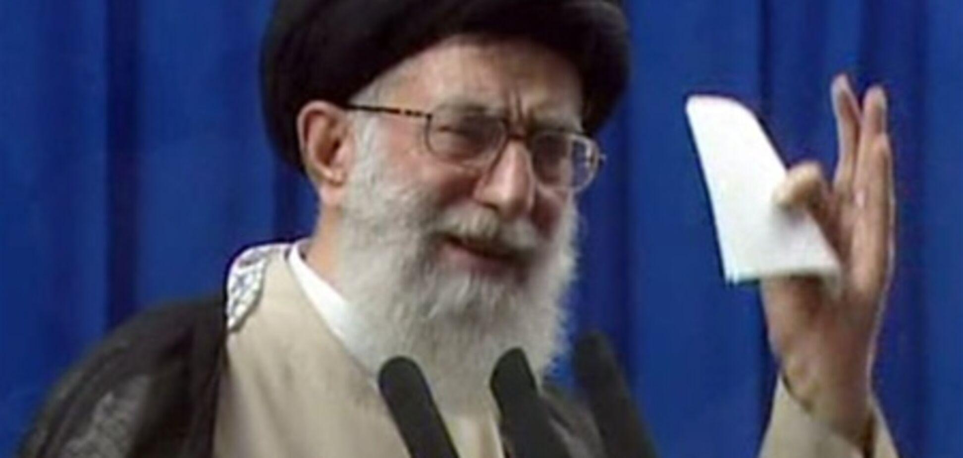 Хаменеи: санкции не заставят Иран отказаться от ядерной программы