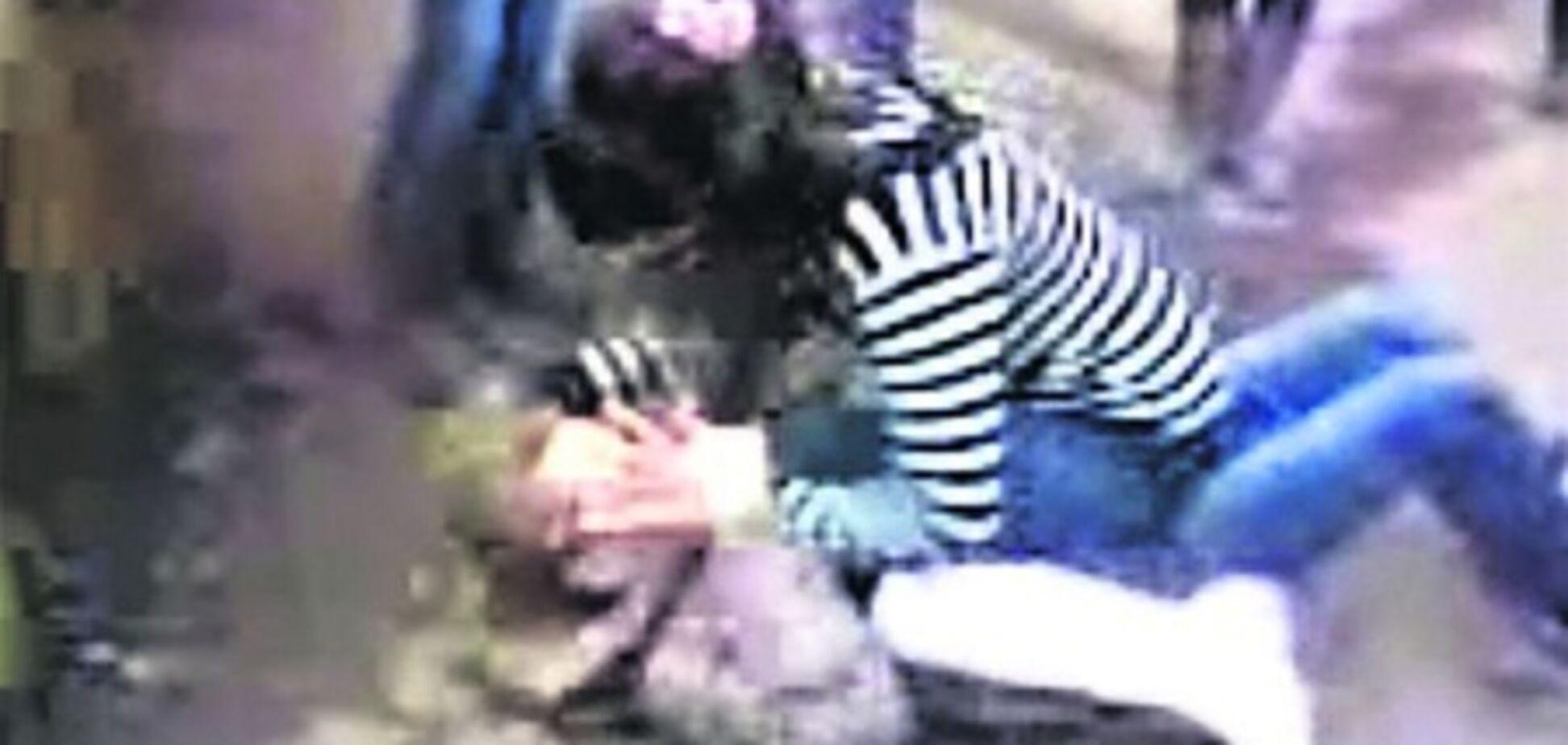 В Одессе жестоко избили девочку, дети кричали: 'Бей сильнее!'