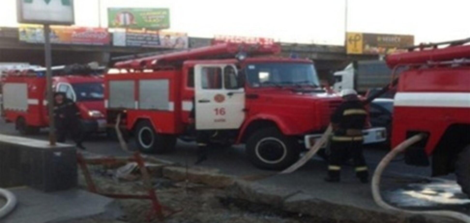 В Киеве из-за пожара закрыли три станции метро