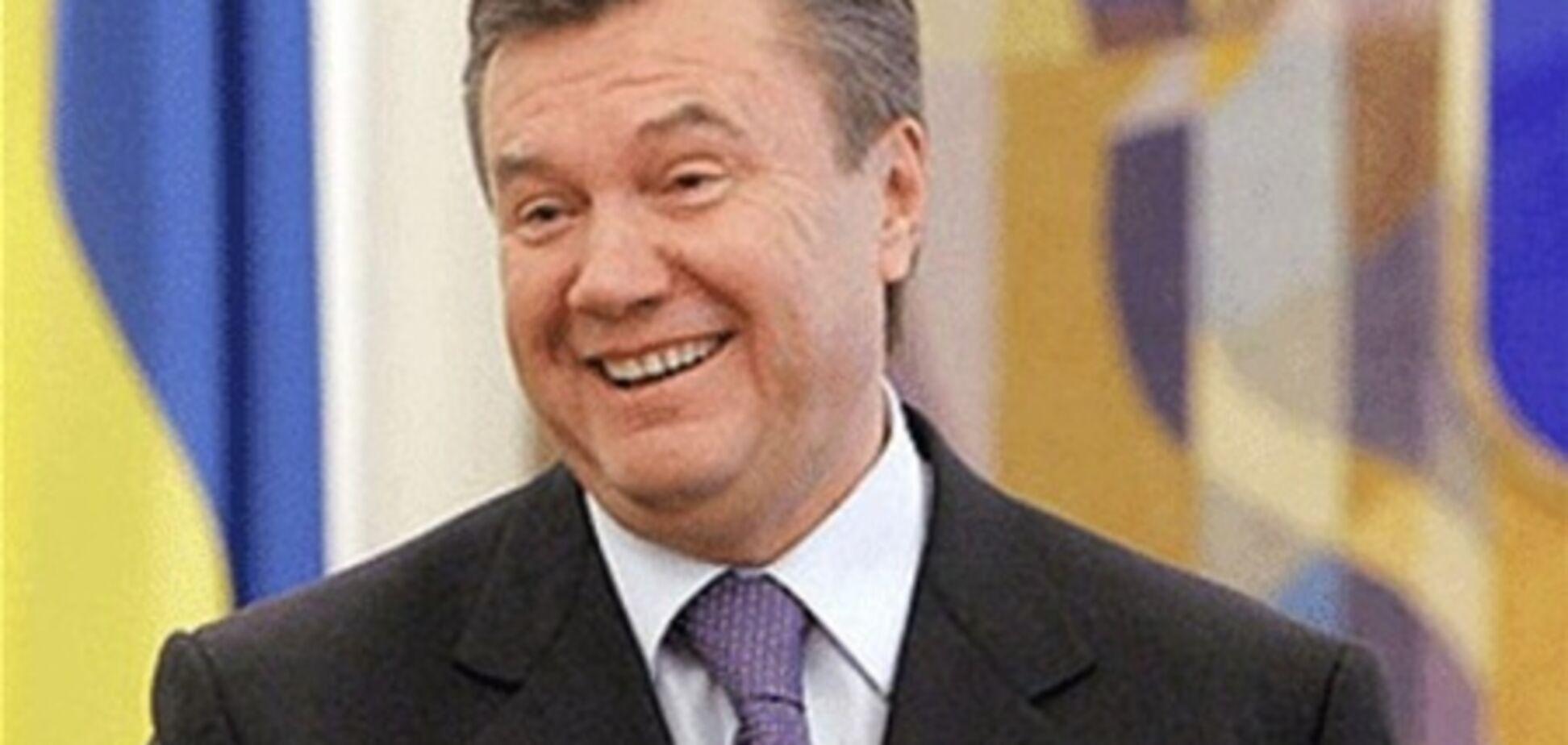 Янукович сходив у цирк